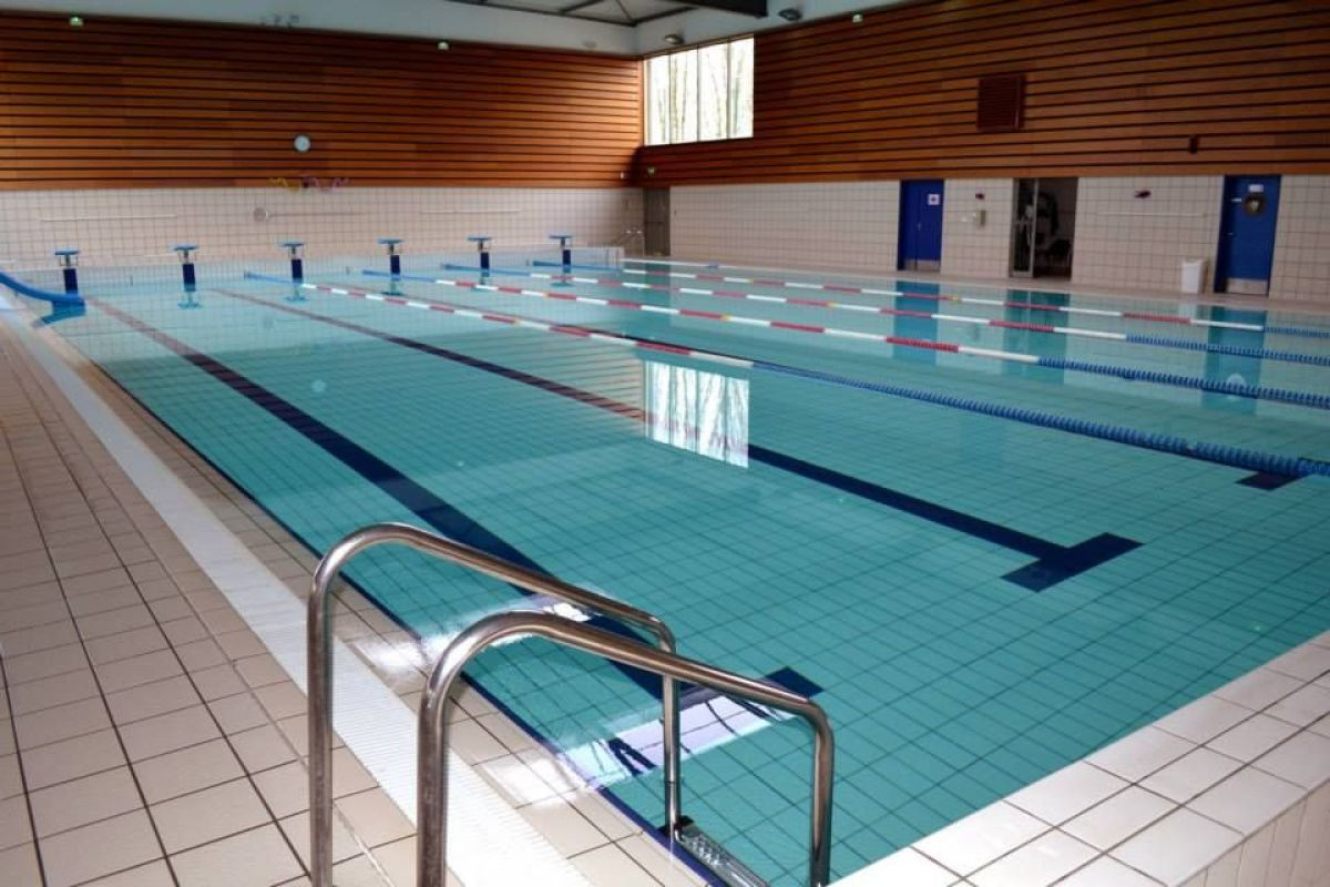 Centre Aquatique - Piscine De Saint-Cyr-L'école - Horaires ... à Piscine Du Chesnay