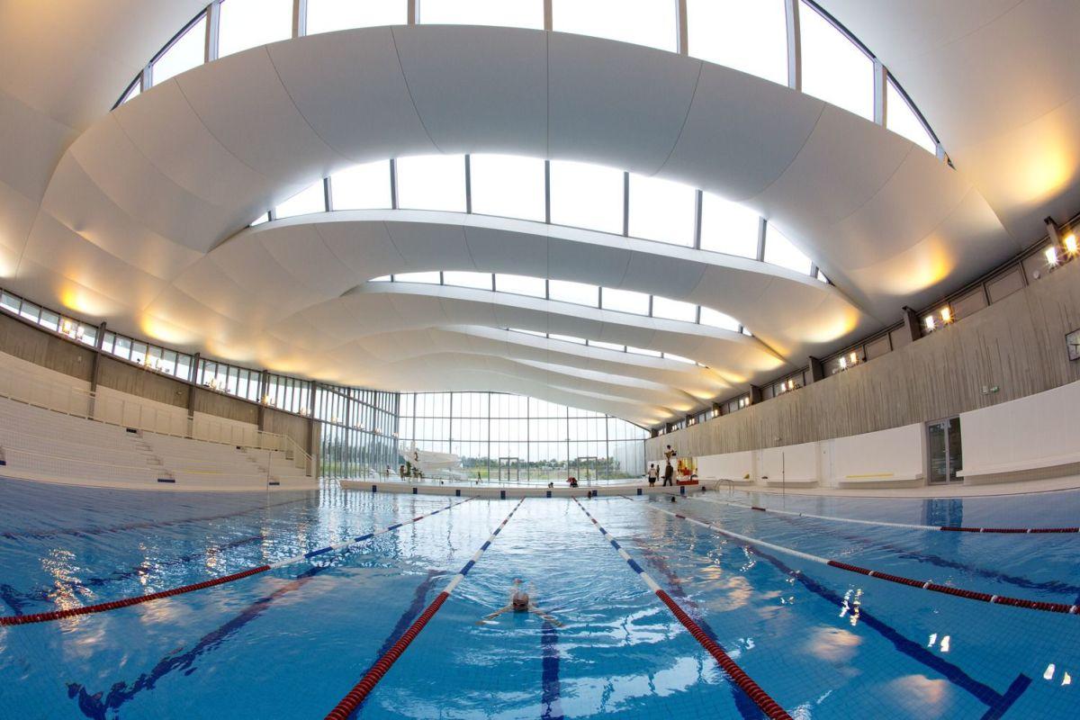 Centre Aquatique Val-D'europe - Piscine À Bailly ... intérieur Piscine Serris