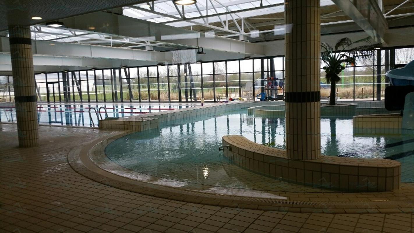 Centre Aquatique Val D'oréane - Nageurs intérieur Piscine De Dampierre En Burly