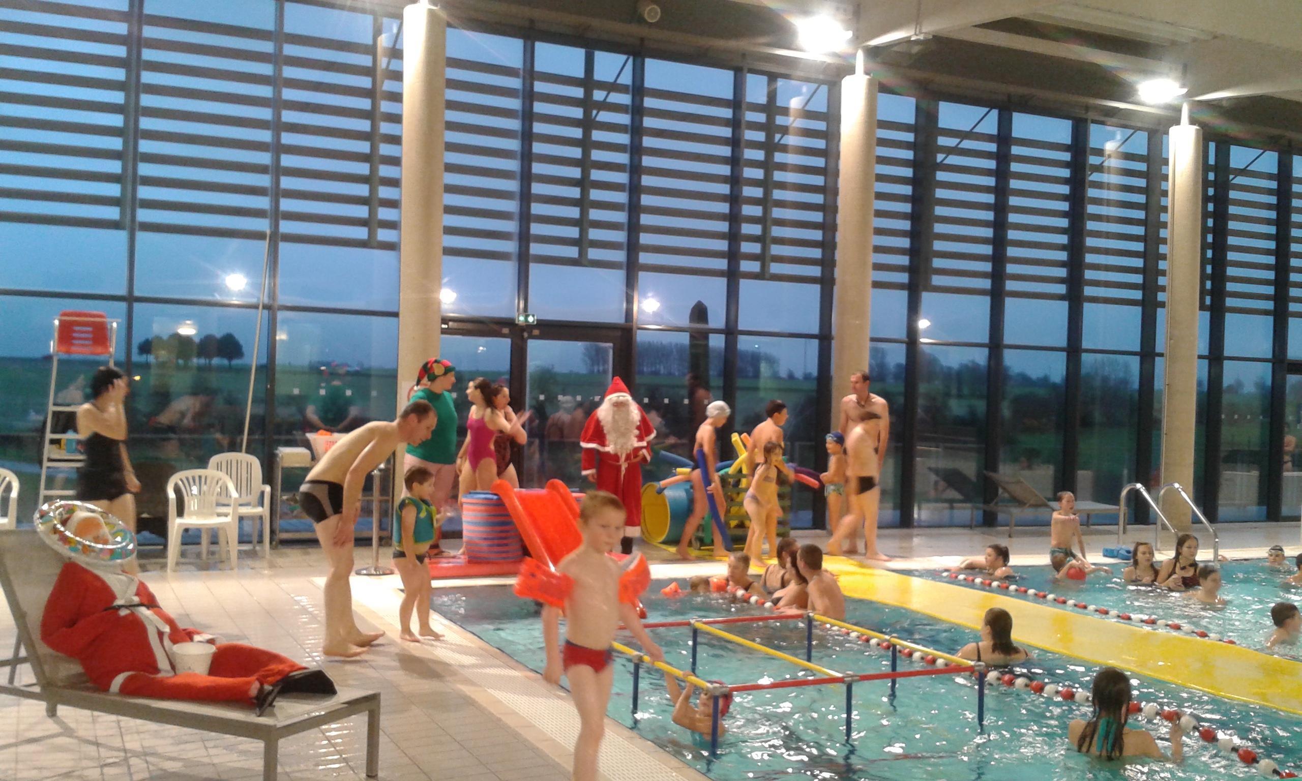 Centre Aquatique Viméo : Le Père Noël Se Jette À L'eau   L ... avec Piscine Friville