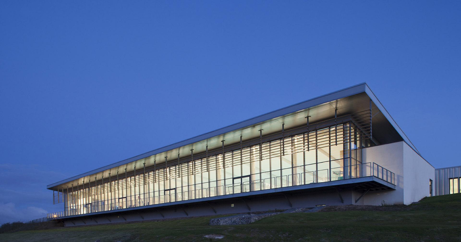 Centre Aquatique Vimeo   Tna Architectes, Paris encequiconcerne Piscine Friville