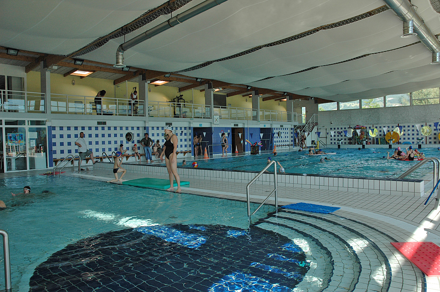 Centre Nautique À Crolles - Le Grésivaudan - Communauté De ... encequiconcerne Piscine Bailly Romainvillier