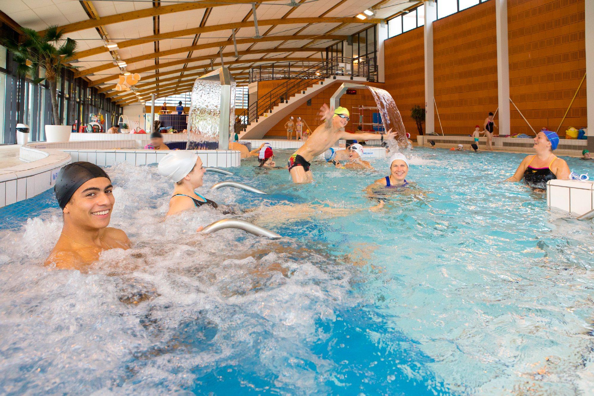 Centre Nautique Aqualudis, Villefranche-De-Rouergue ... encequiconcerne Horaire Piscine Colomiers