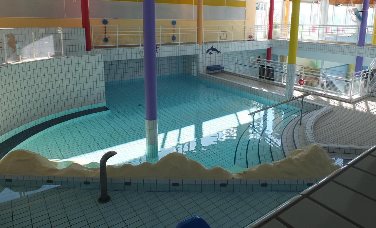 Centre Nautique - Bar Le Duc - 55000 - - Room Rentals - F89 ... dedans Piscine Bar Le Duc