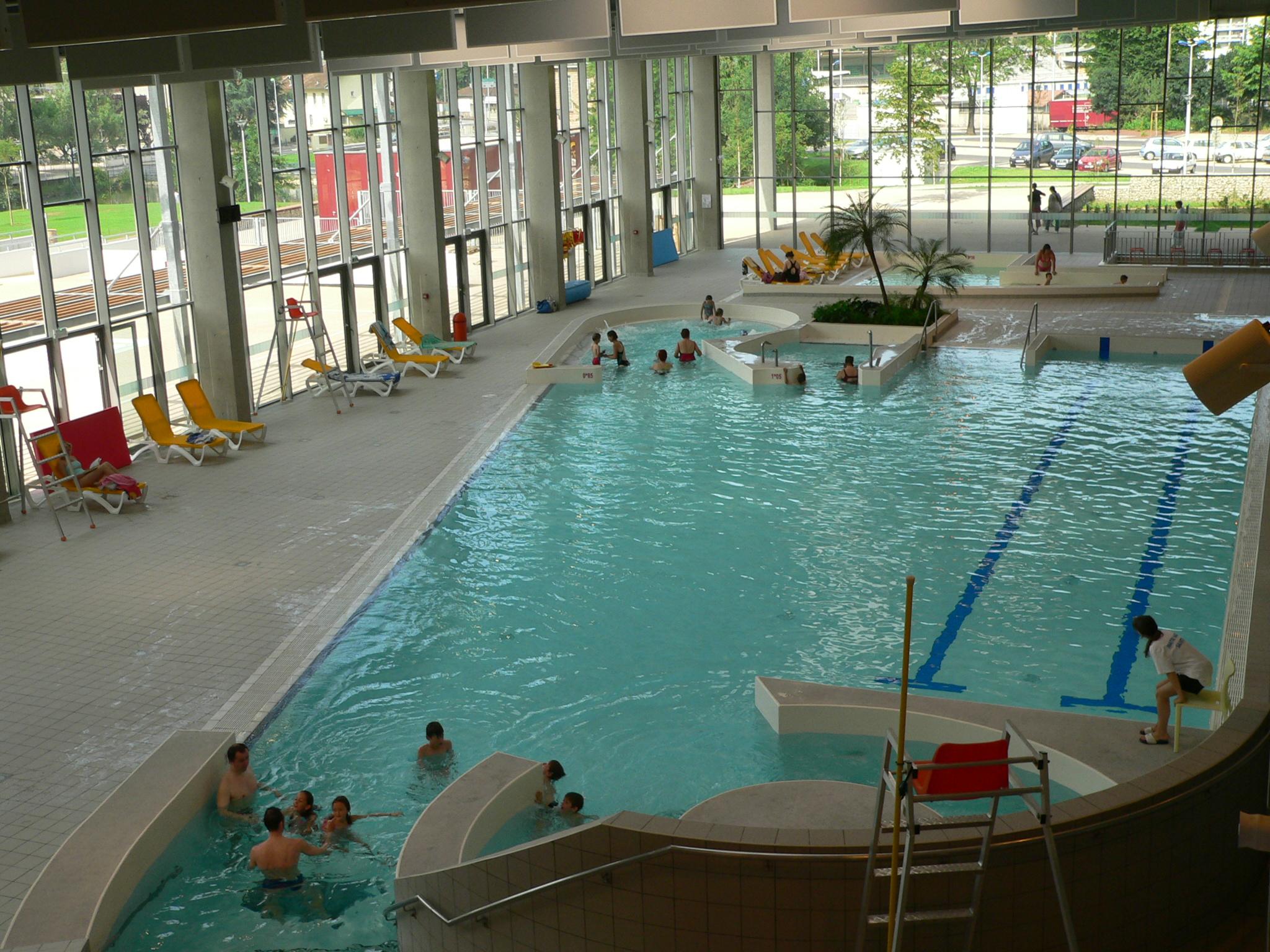 Centre Nautique Carré D'eau - Aix Les Bains - Riviera Des Alpes dedans Piscine Carré D Eau