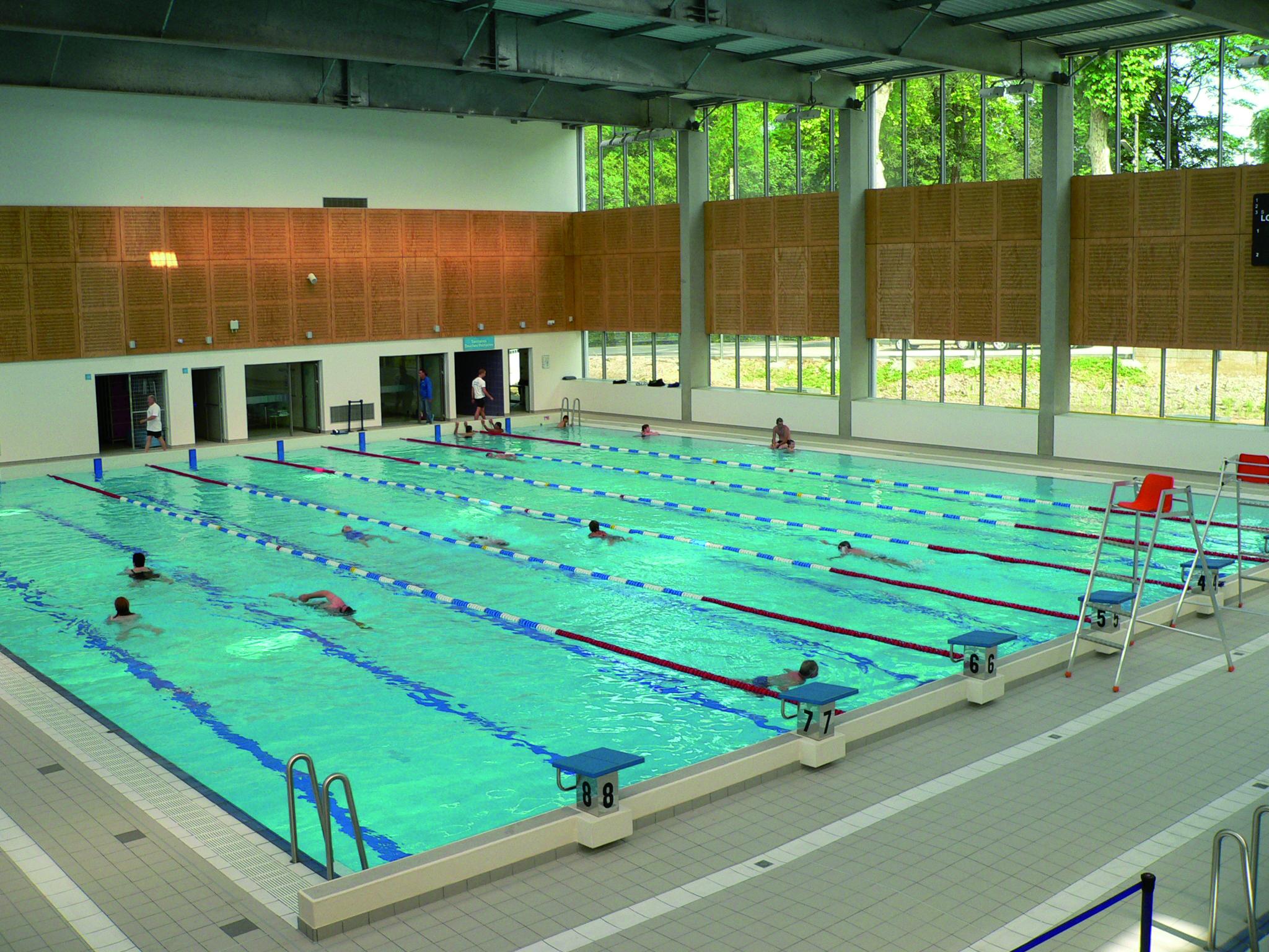 Centre Nautique Carré D'eau - Aix Les Bains - Riviera Des Alpes pour Piscine Carré D Eau