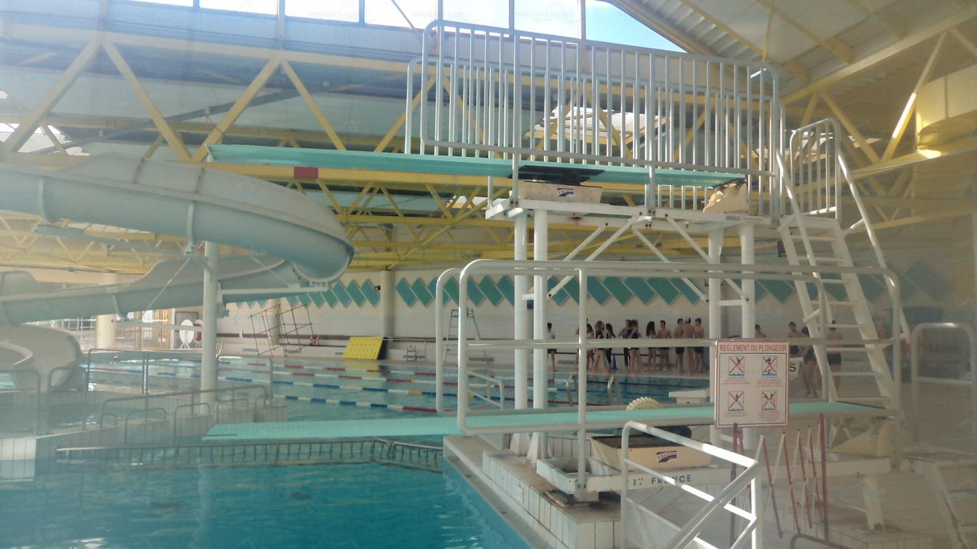 Centre Nautique Des Vallons Du Lyonnais - Nageurs intérieur Piscine Vaugneray