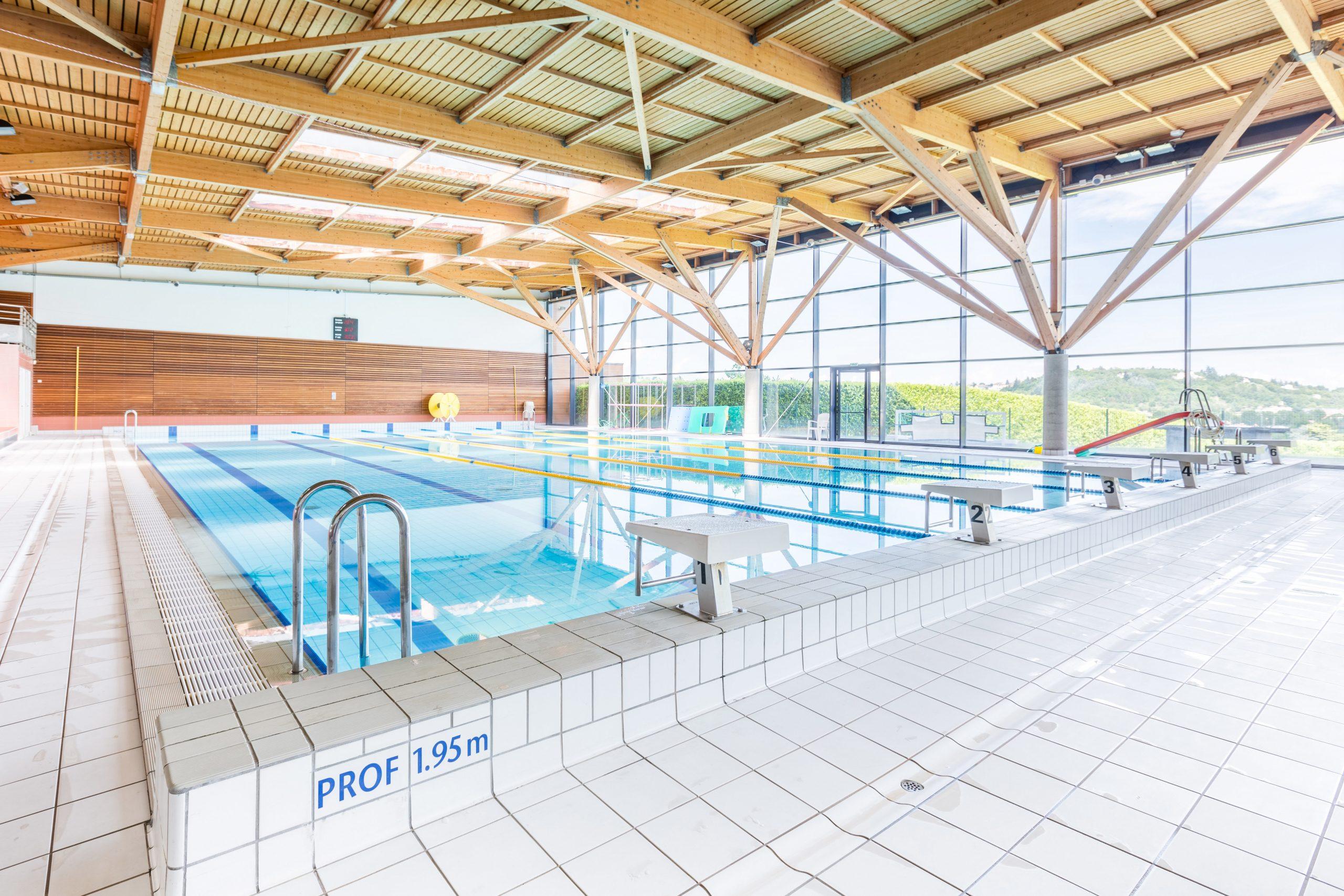 Centre Nautique Du Pays Du Gier, Piscine Génilac, Bassin De ... destiné Horaire Piscine Petit Port