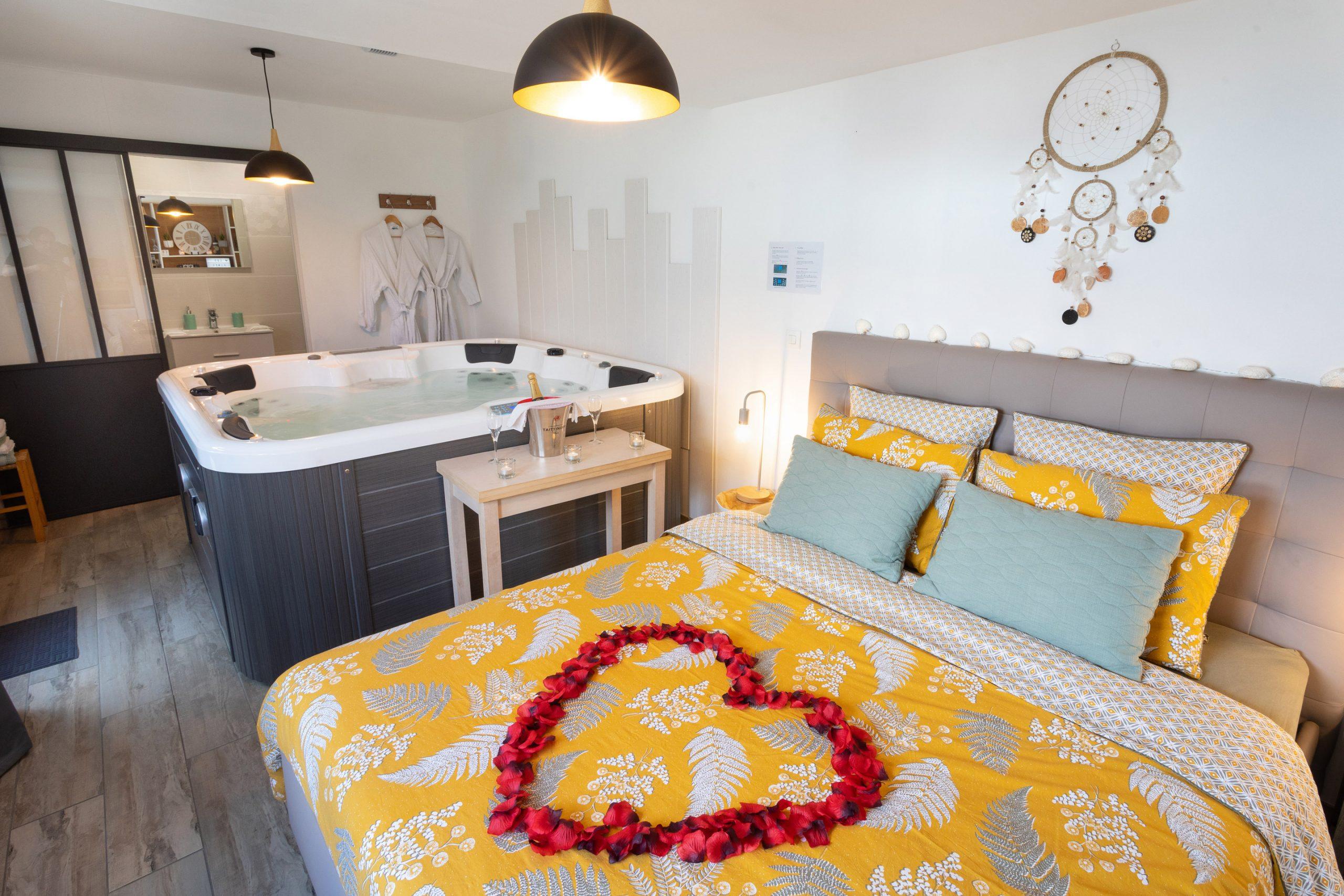 Chambre Avec Jacuzzi Privatif En Île-De-France   Abritel destiné Hotel Avec Piscine Privée Dans La Chambre France
