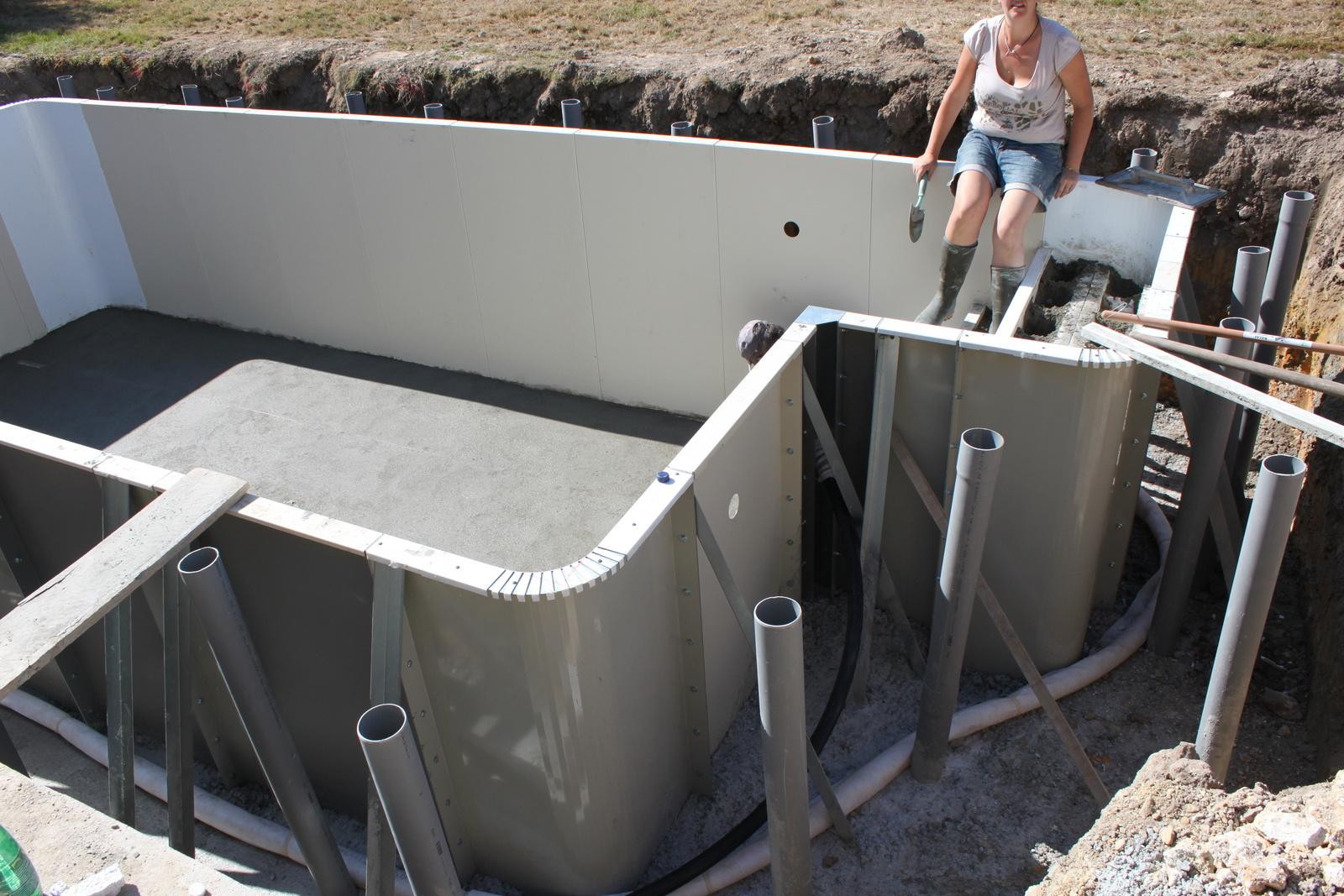 Chape Intérieure - La Construction De Ma Piscine Aquilus 35 destiné Piscine Aquilus