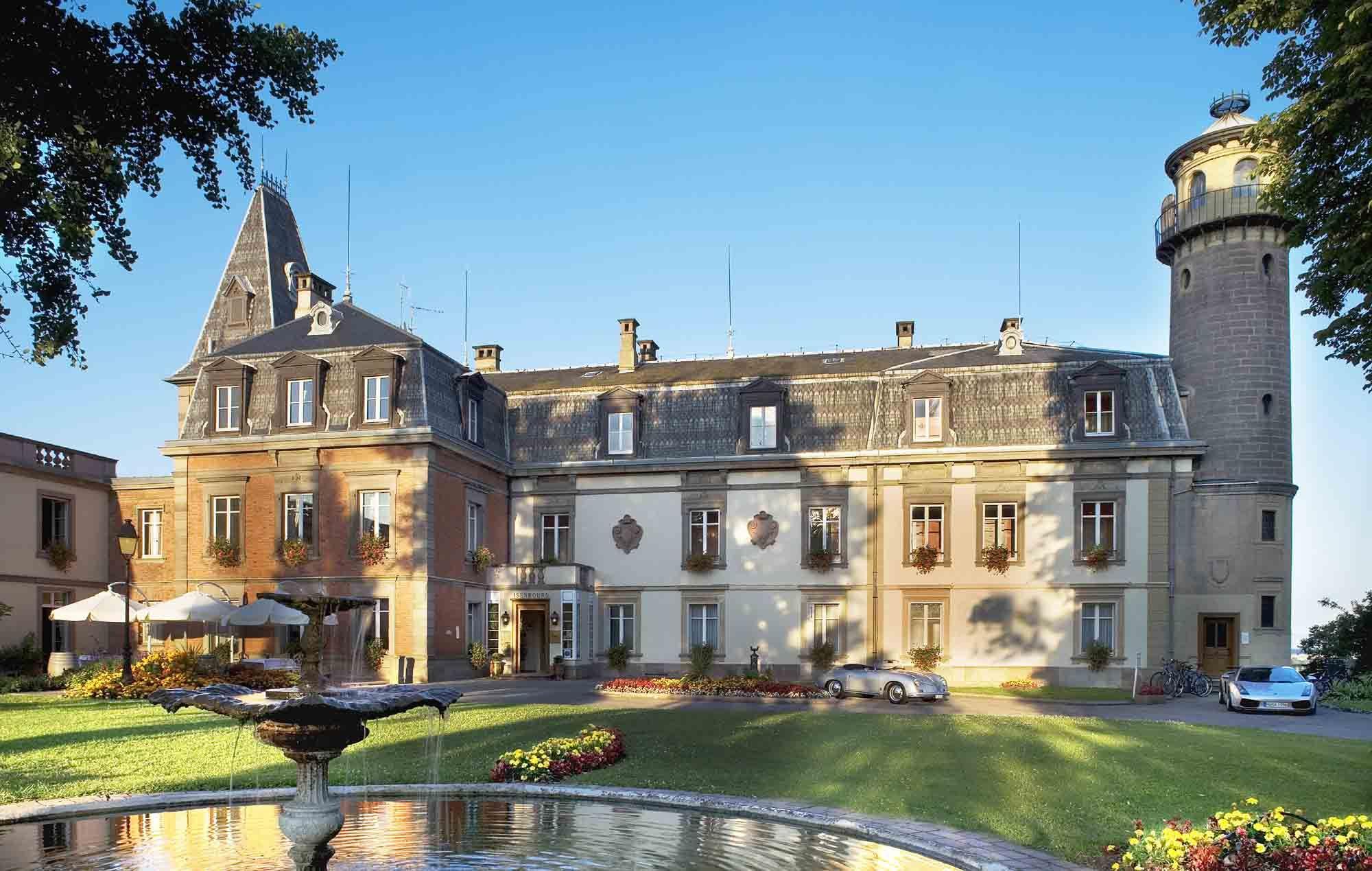 Château D'isenbourg Château-Hôtel Restaurant Et Spa ... dedans Piscine Rouffach