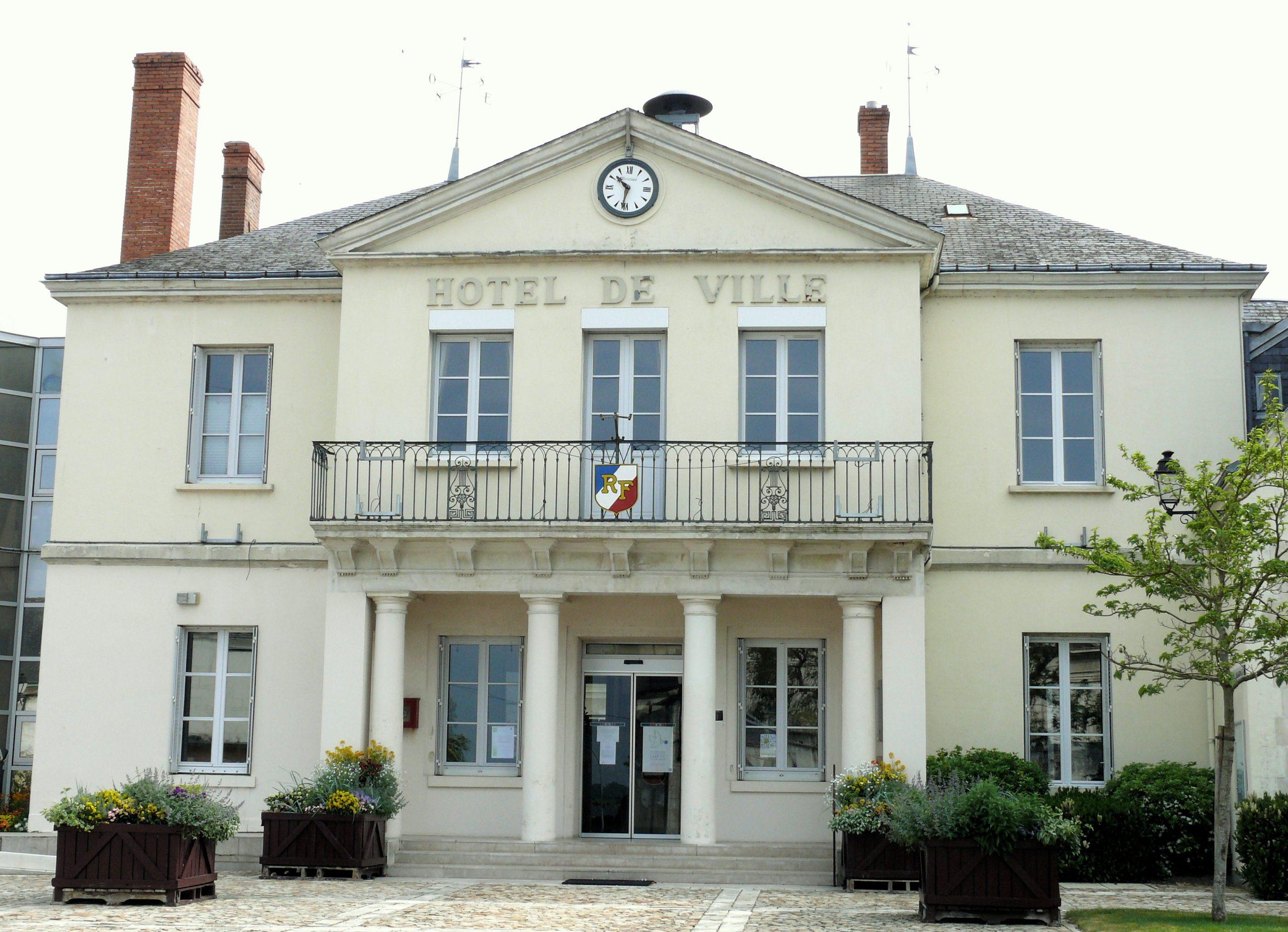 Châtillon-Sur-Indre — Wikipédia serapportantà Piscine Chatillon Sur Indre
