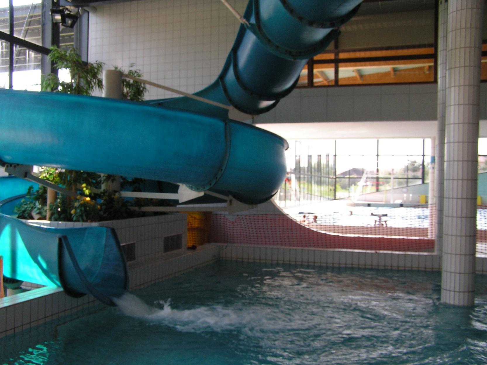 Cité De L'eau : Centre Nautique encequiconcerne Piscine Amphion