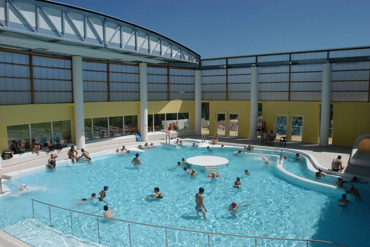 Complexe Aquatique - Piscine À Hyères - Horaires, Tarifs Et ... avec Piscine Du Port Marchand