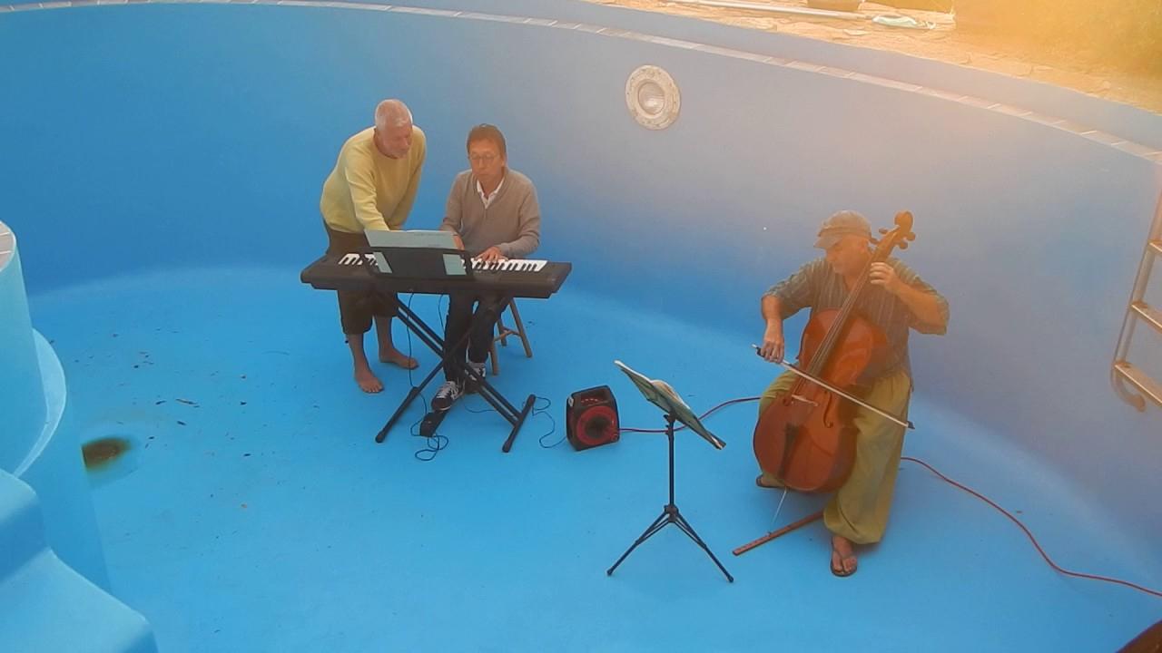 Concert Piscine Aloha : Violoncelle Et Clavier à Aloha Piscine