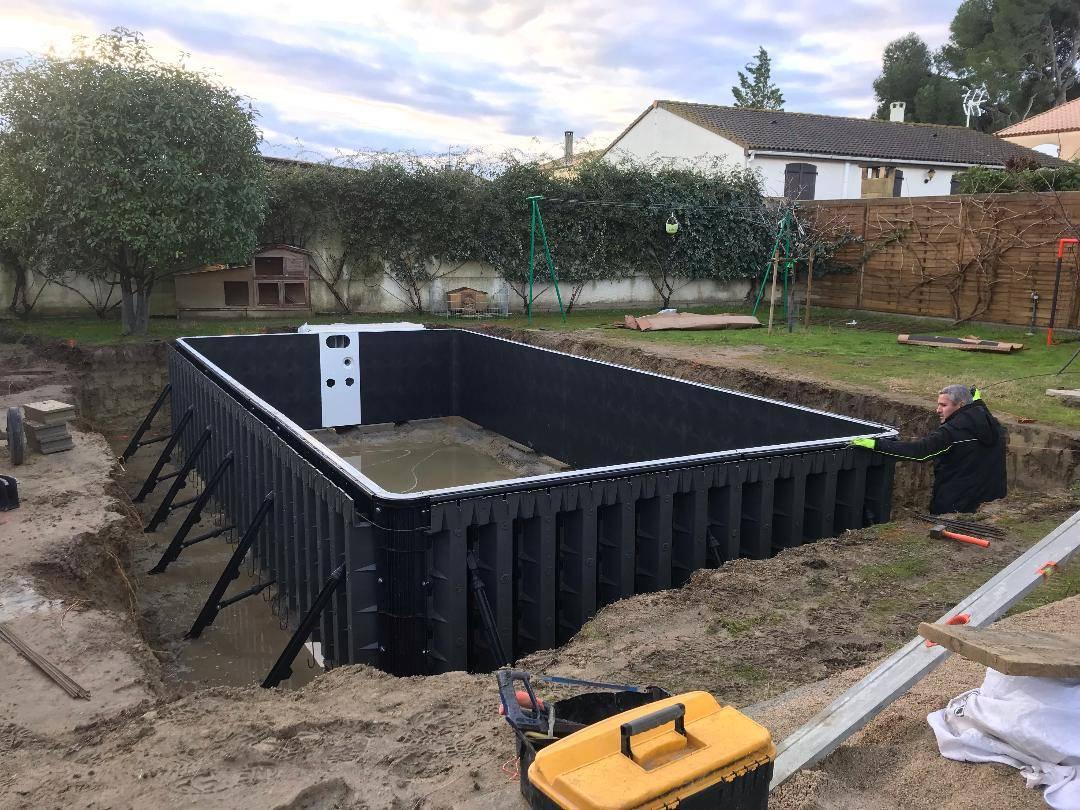 Construction D'une Piscine Desjoyaux De 7X3.5 Mètres Sur ... à Tarif Piscine Desjoyaux