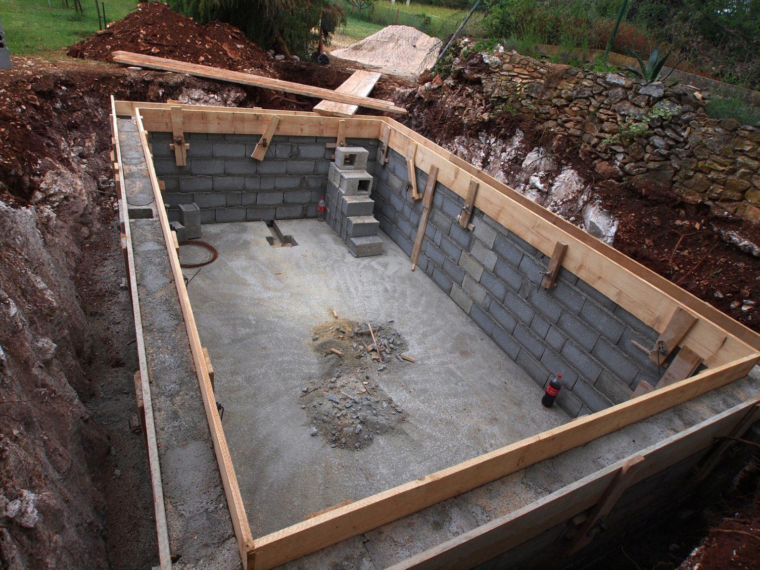 construire sa piscine en béton  guidebeton tout piscine À