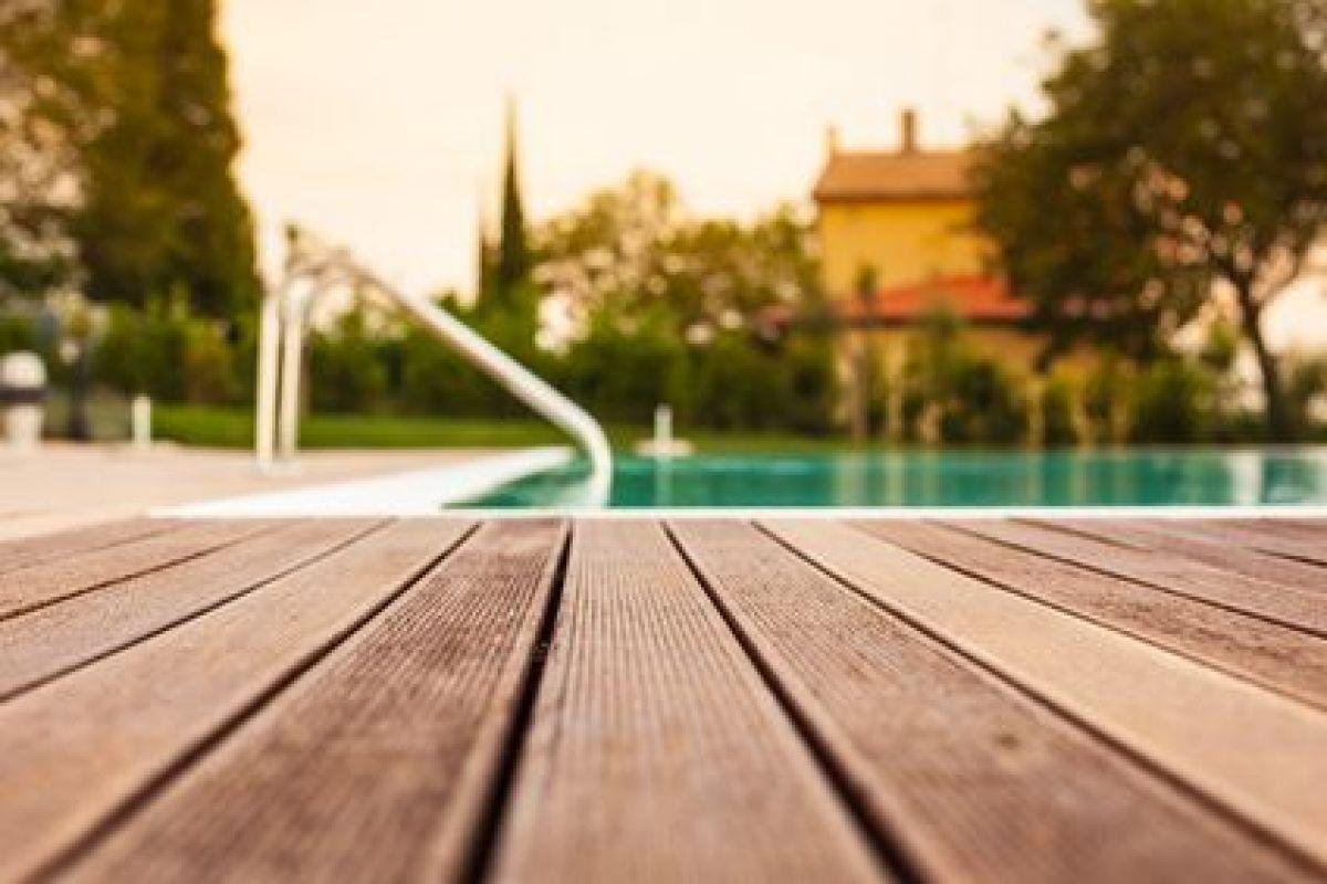 Créer Une Piscine Avec Terrasse Sur Pilotis - Guide-Piscine.fr intérieur Piscine Sur Pilotis