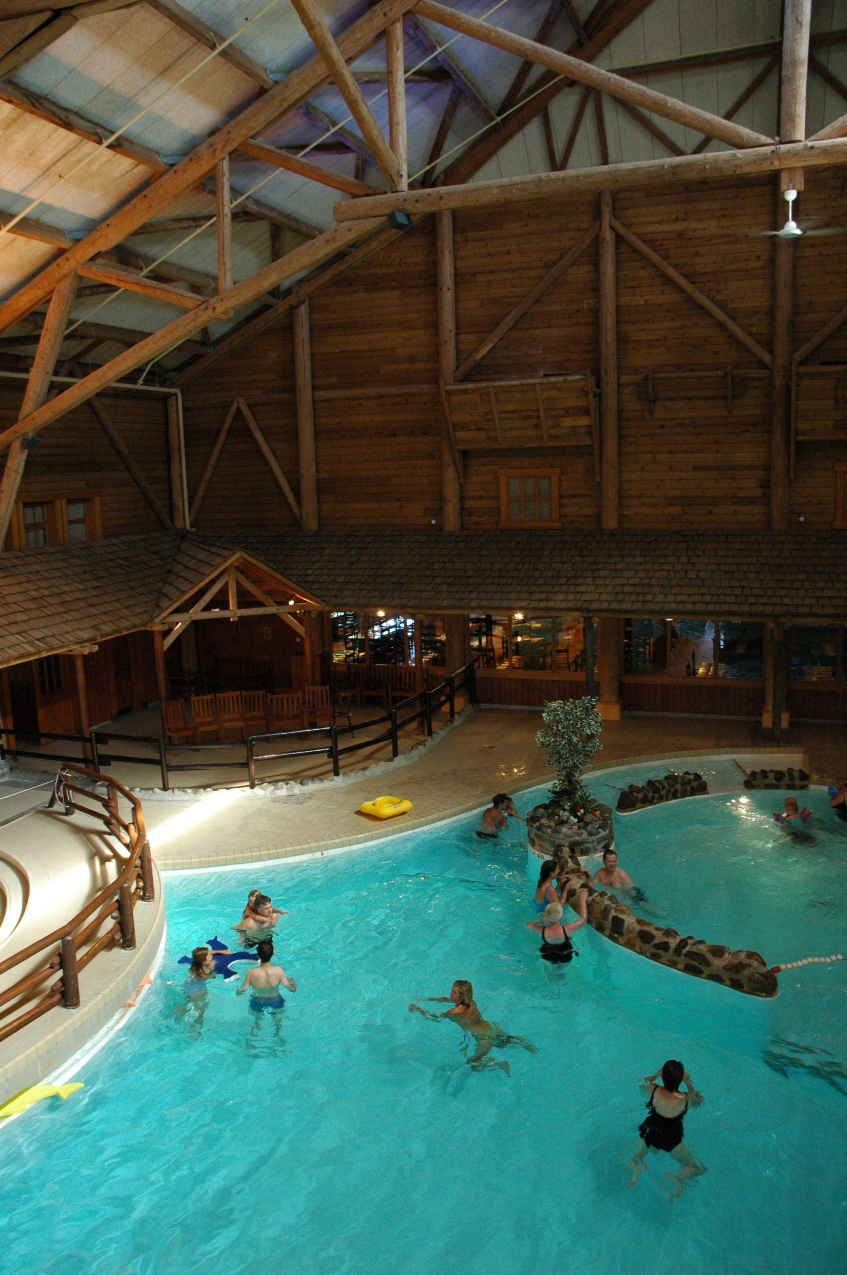 Disney Hotels, Davy Crockett Ranch - Indoor Pool, Disneyland ... intérieur Piscine Davy Crockett