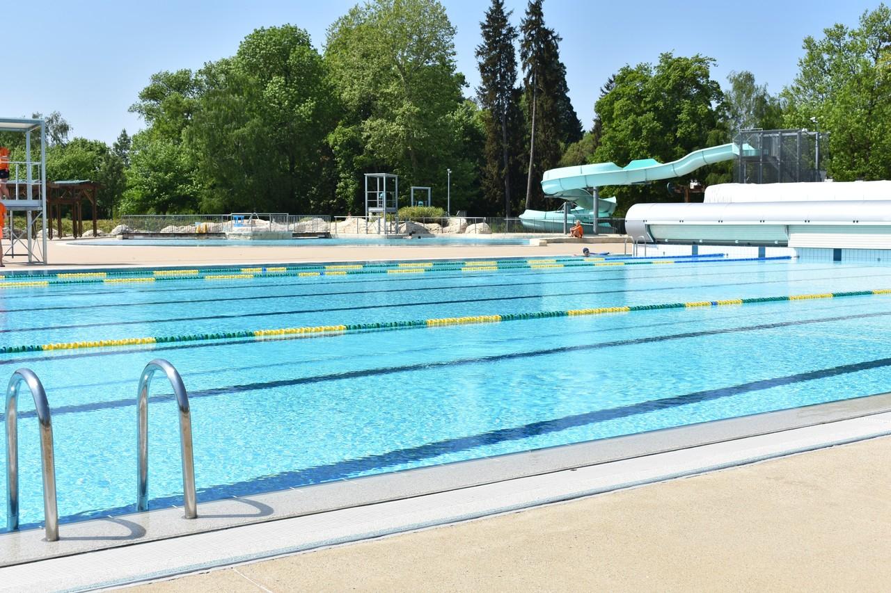 Dole : Ouverture D'aquaparc Ce Lundi 27 Mai 2019 | Voix Du Jura destiné Piscine De Lons Le Saunier