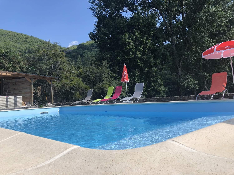 Domaine De L'ecrin Vert, Réquista | Camping | Tourisme Aveyron encequiconcerne Piscine Millau