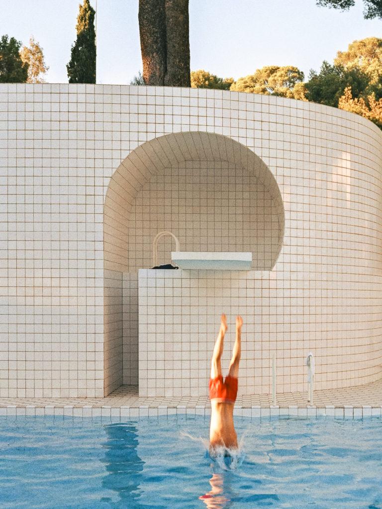 Domestic Pools Et La Piscine D'alain Capeillères destiné Piscine De Loos