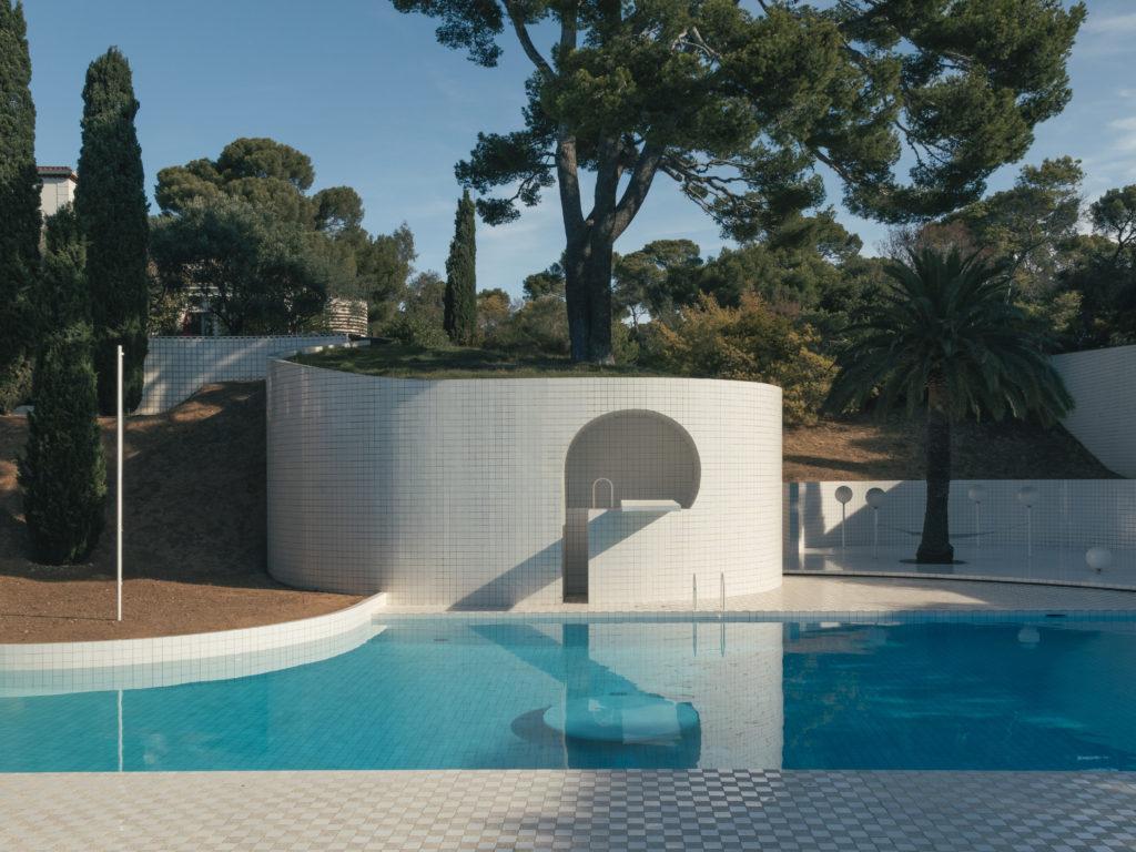 Domestic Pools Et La Piscine D'alain Capeillères intérieur Piscine De Loos
