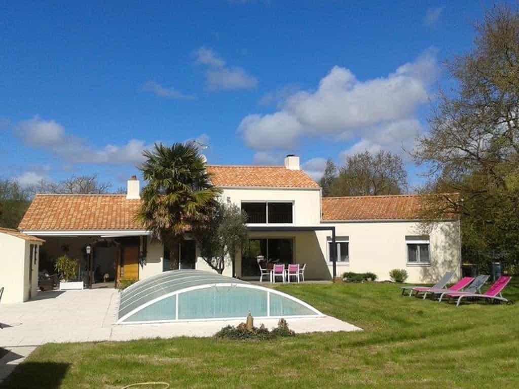 Dom'sweet Home, Bed And Breakfast France Atlantic Coast. serapportantà Piscine St Gilles Croix De Vie