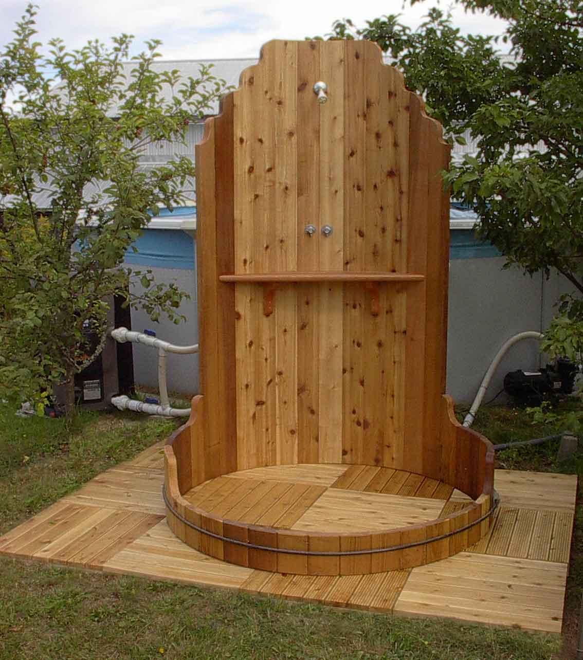 Douche De Piscine : Description Et Avantages - Maison Et Santé avec Douche Pour Piscine