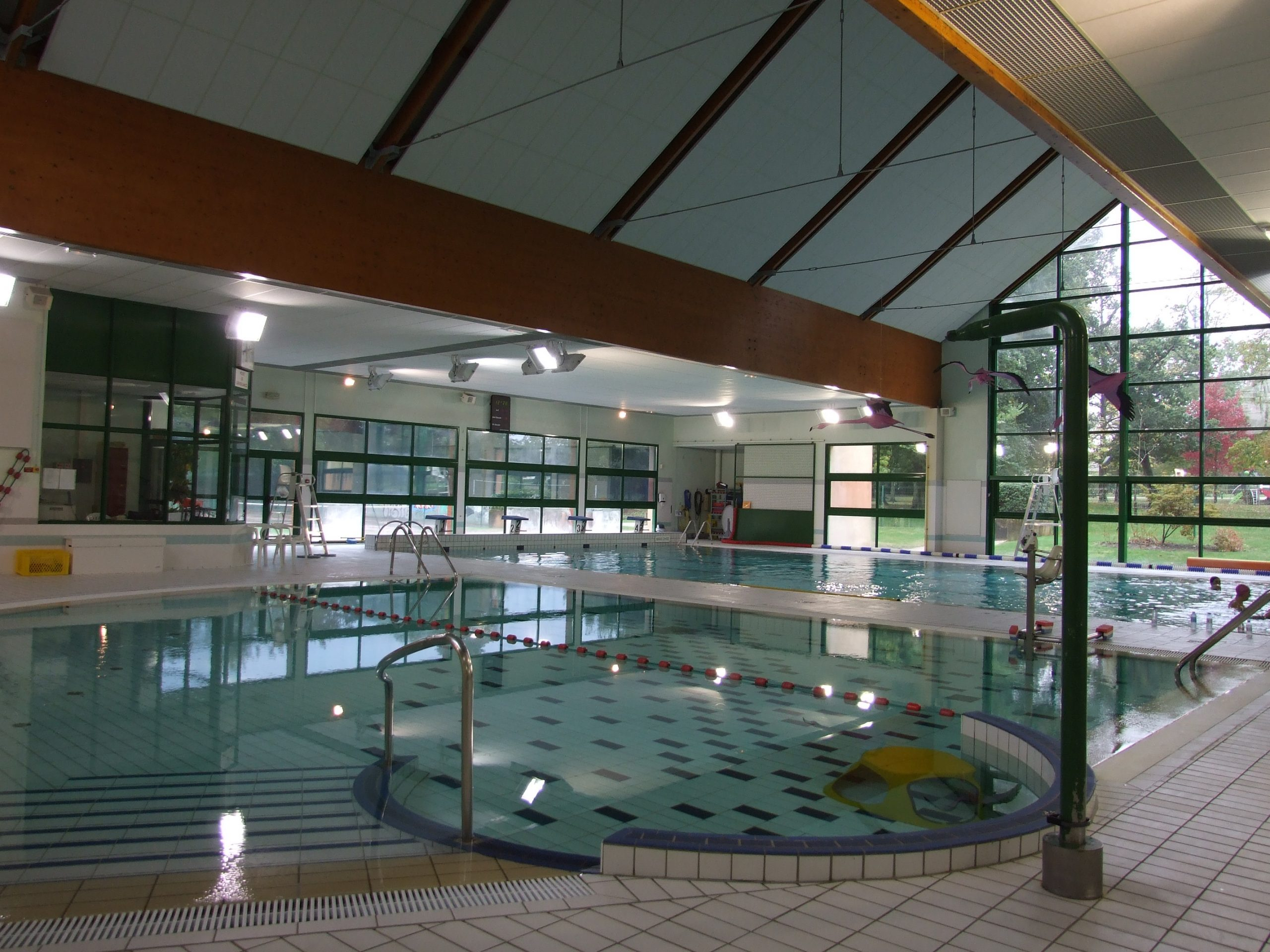 Dufisol: Faux Plafonds Pour Salles De Sport Et Gymnases avec Piscine Bourgonnière