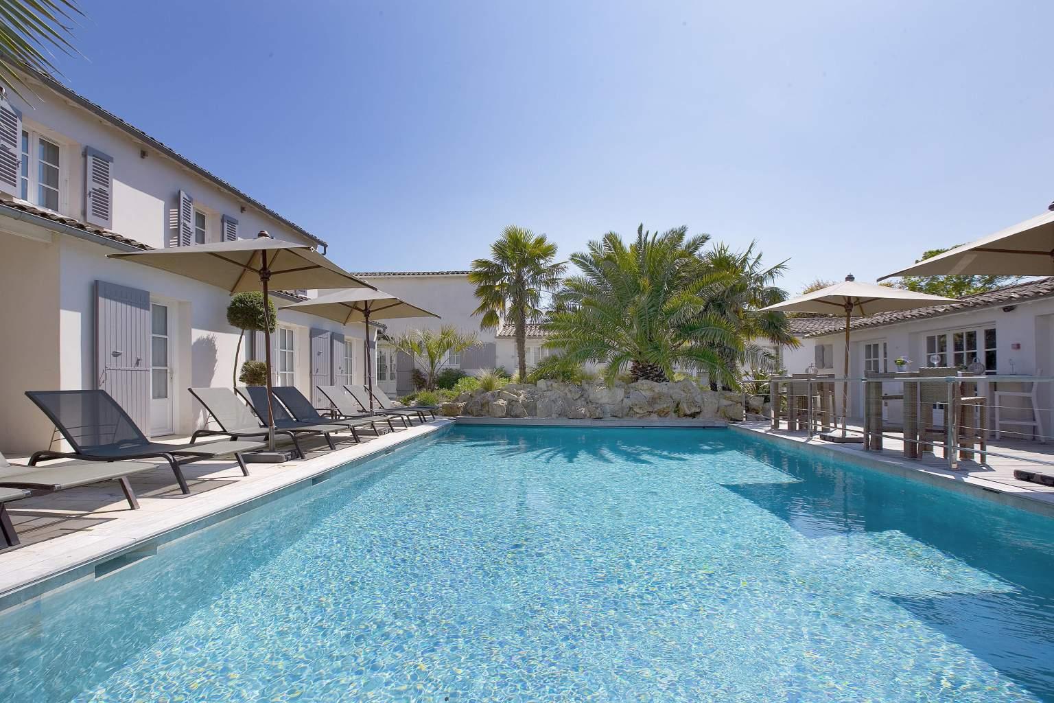 ⇒ Le Clos Saint Martin - Hotel Ile De Ré - Spa - Site ... serapportantà Hotel Avec Piscine Ile De France