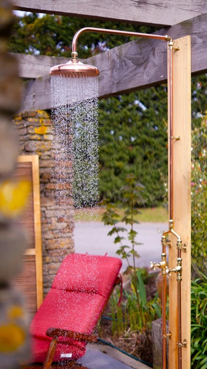 ▷ 1001 + Idées Pour L'installation D'une Douche Extérieure dedans Douche Pour Piscine