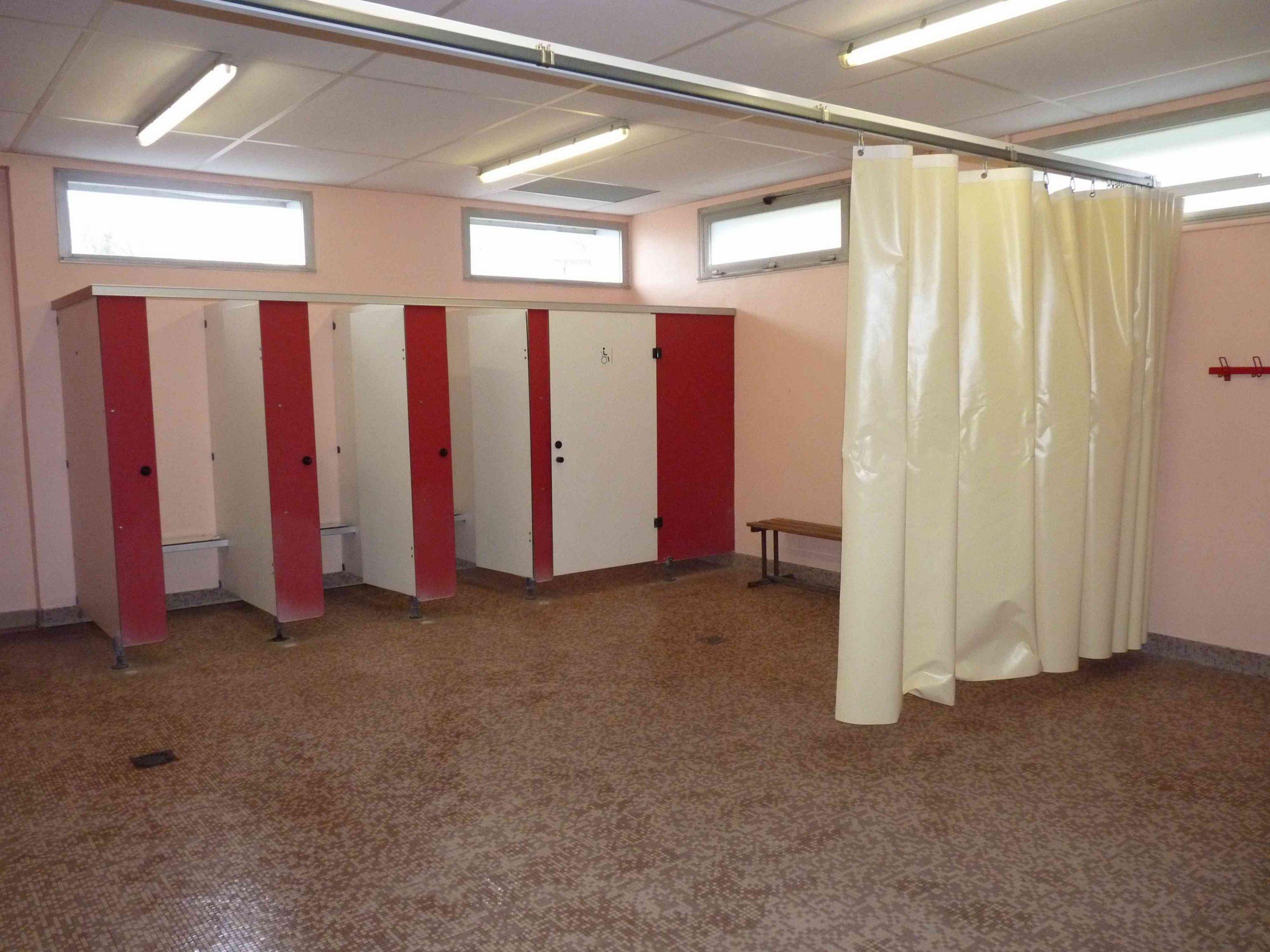 Ecole Élémre De Fareins - Découverte De La Piscine dedans Vestiaire Piscine