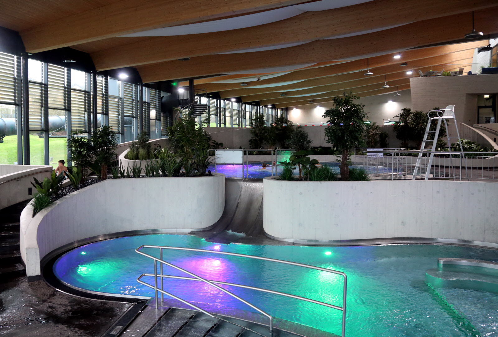 Edition Longwy | Photos. Differdange : Aquasud, Une Piscine ... serapportantà Piscine Differdange