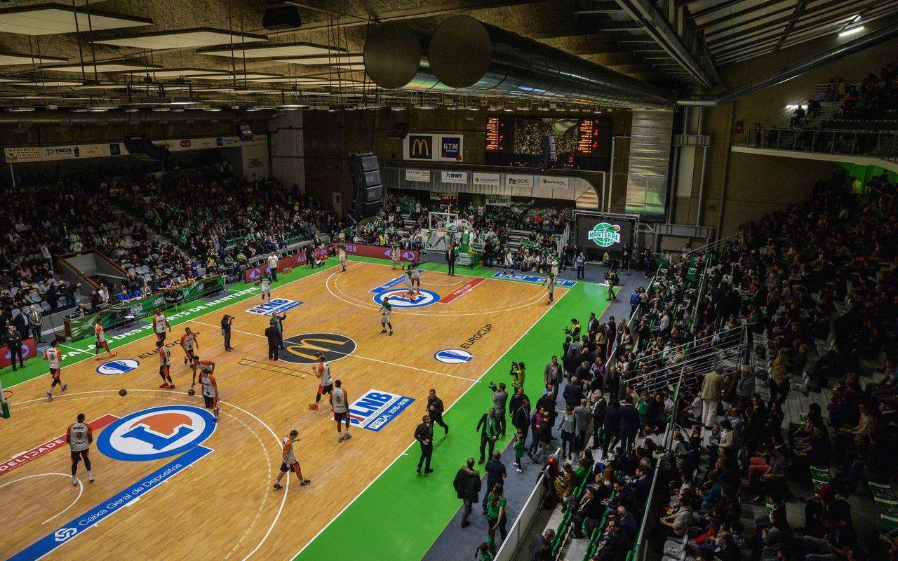 En Images. Basket : Le Nouveau Palais-Des-Sports De Nanterre ... intérieur Piscine Du Palais Des Sports À Nanterre Nanterre