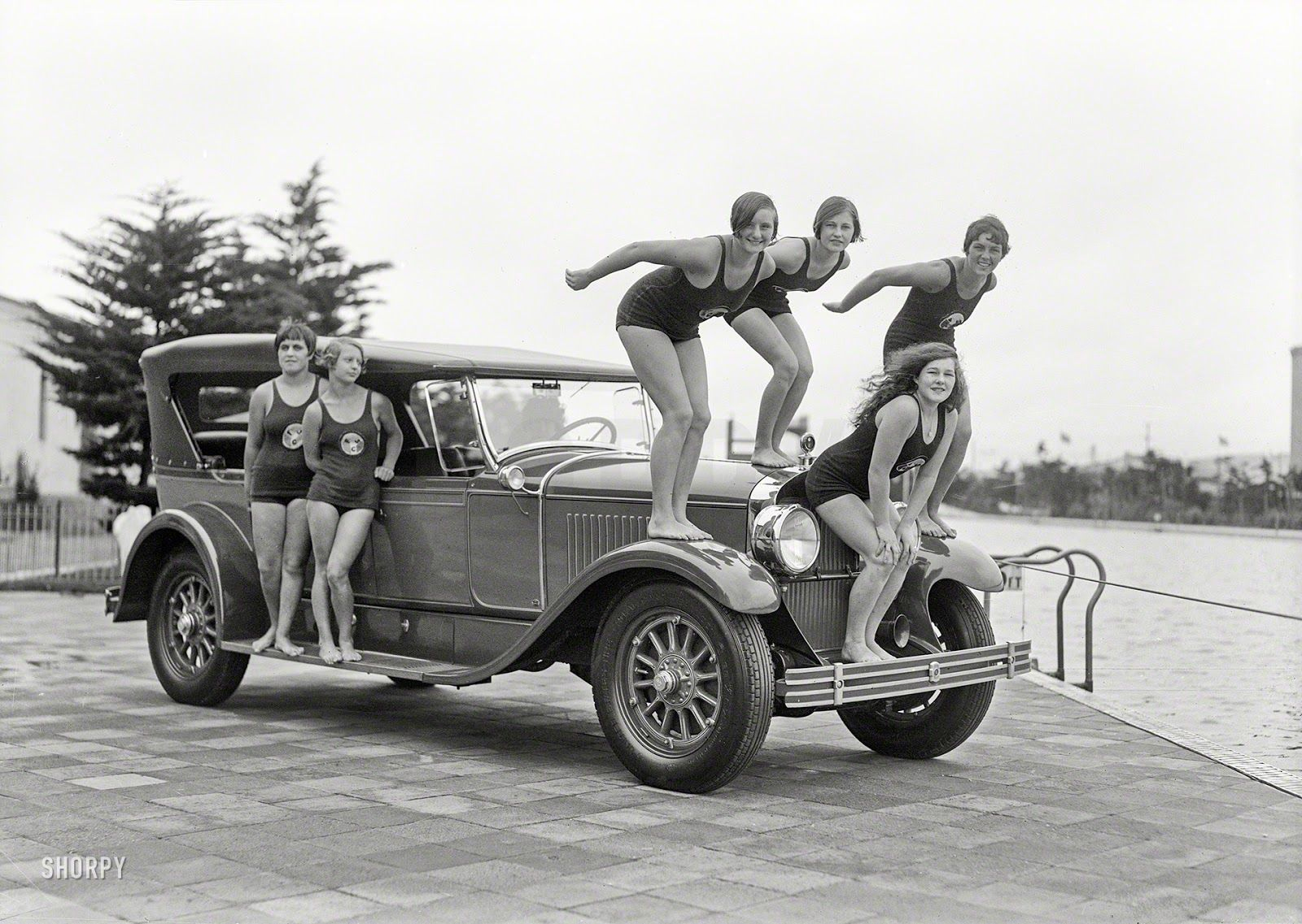 """Épinglé Sur """"belles""""à La Plage+Piscine Vintage+Actu serapportantà Piscine Cadillac"""