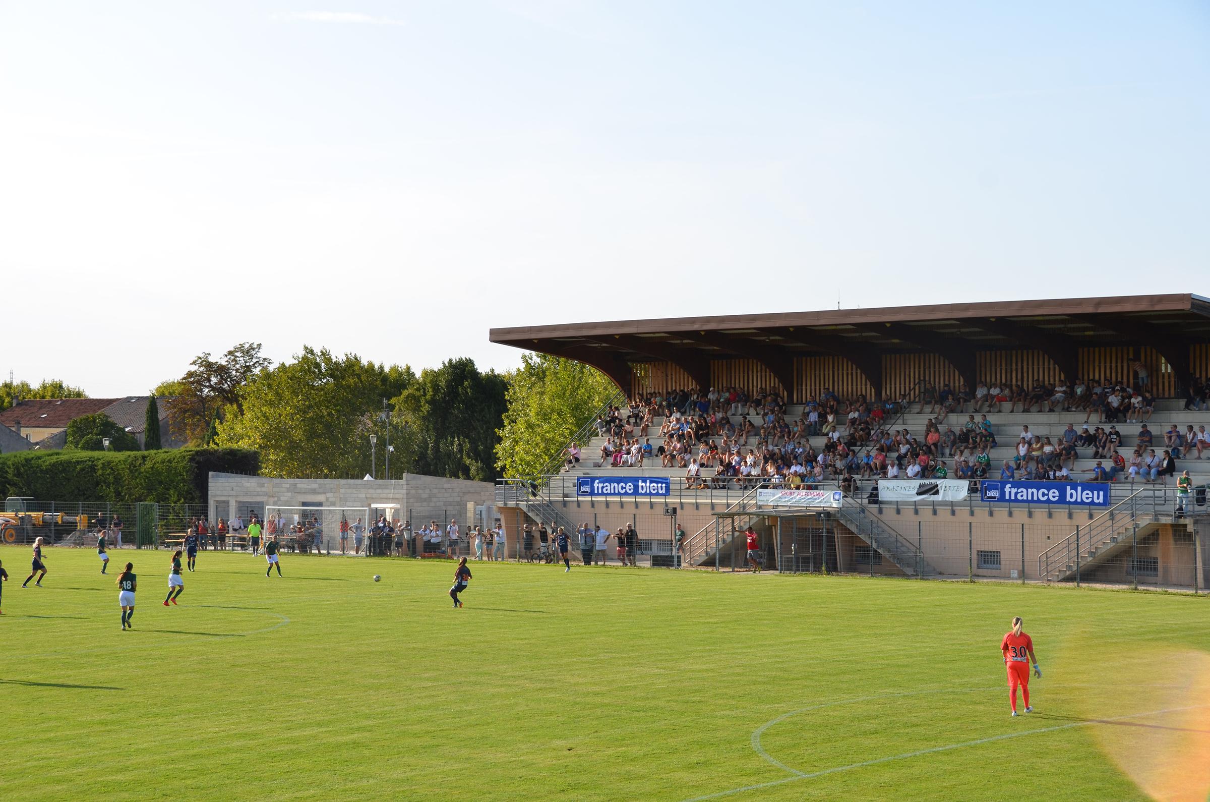Equipements Sportifs - Ville De Saint-Paul-Trois-Châteaux pour Piscine Saint Paul Trois Chateaux