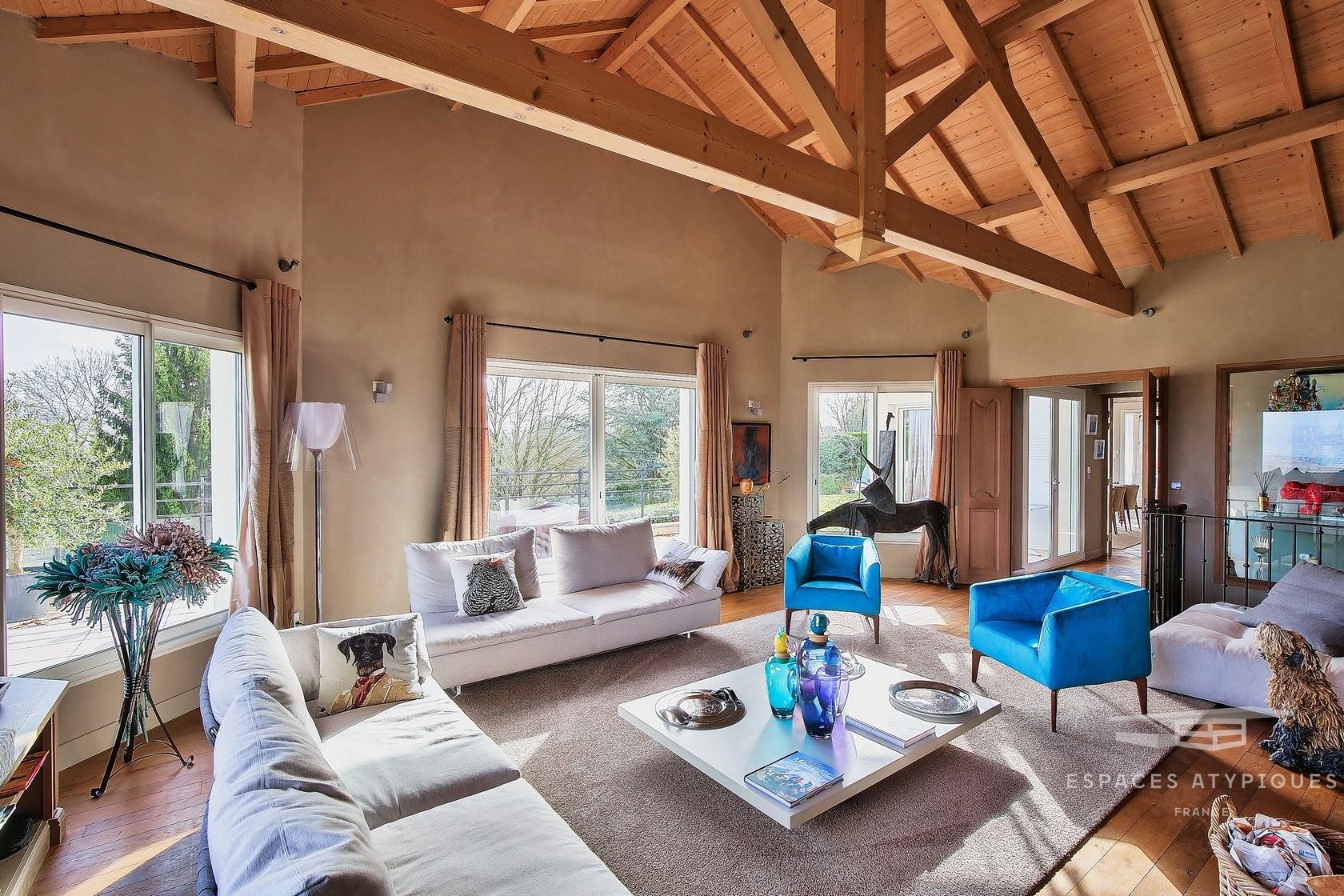 Espaces Atypiques Grenoble : Loft Terrasse Maison D ... destiné Piscine St Egreve