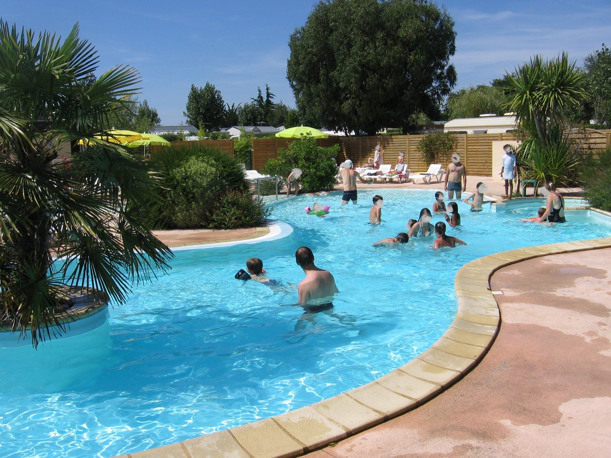 European Caravan Club: The Place For All Motorhomes And ... avec Piscine Auray