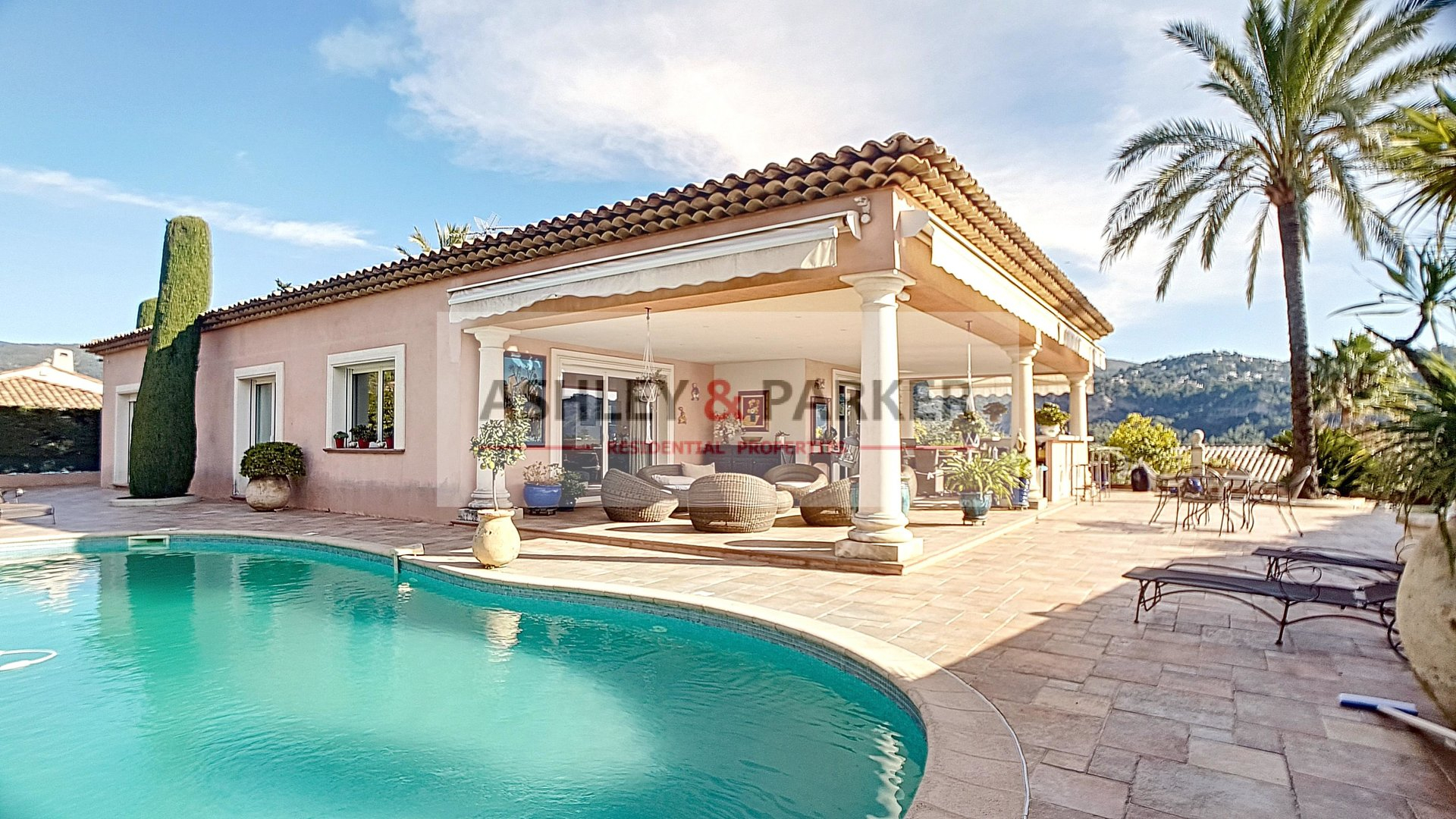 Exclusivite - Carros - Villa De 225 M² Avec Piscine pour Piscine Carros