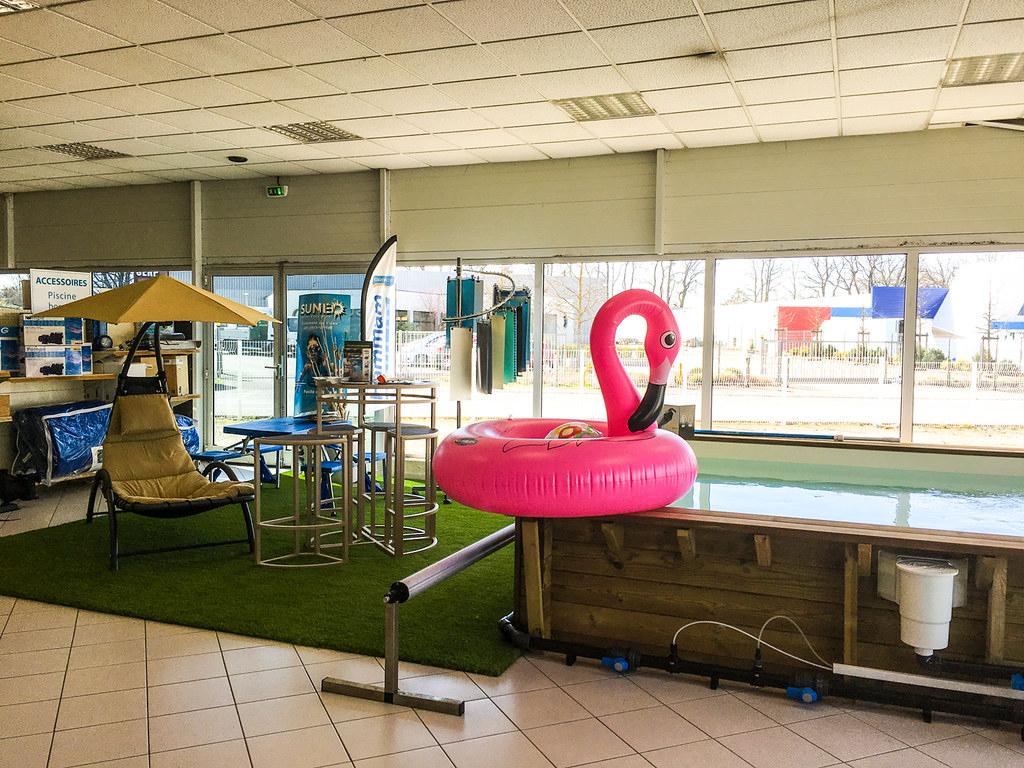 Exposition-De-Piscine-Bois-De-Gonflable-Et-De-Mobilier-De ... dedans Piscine Annemasse