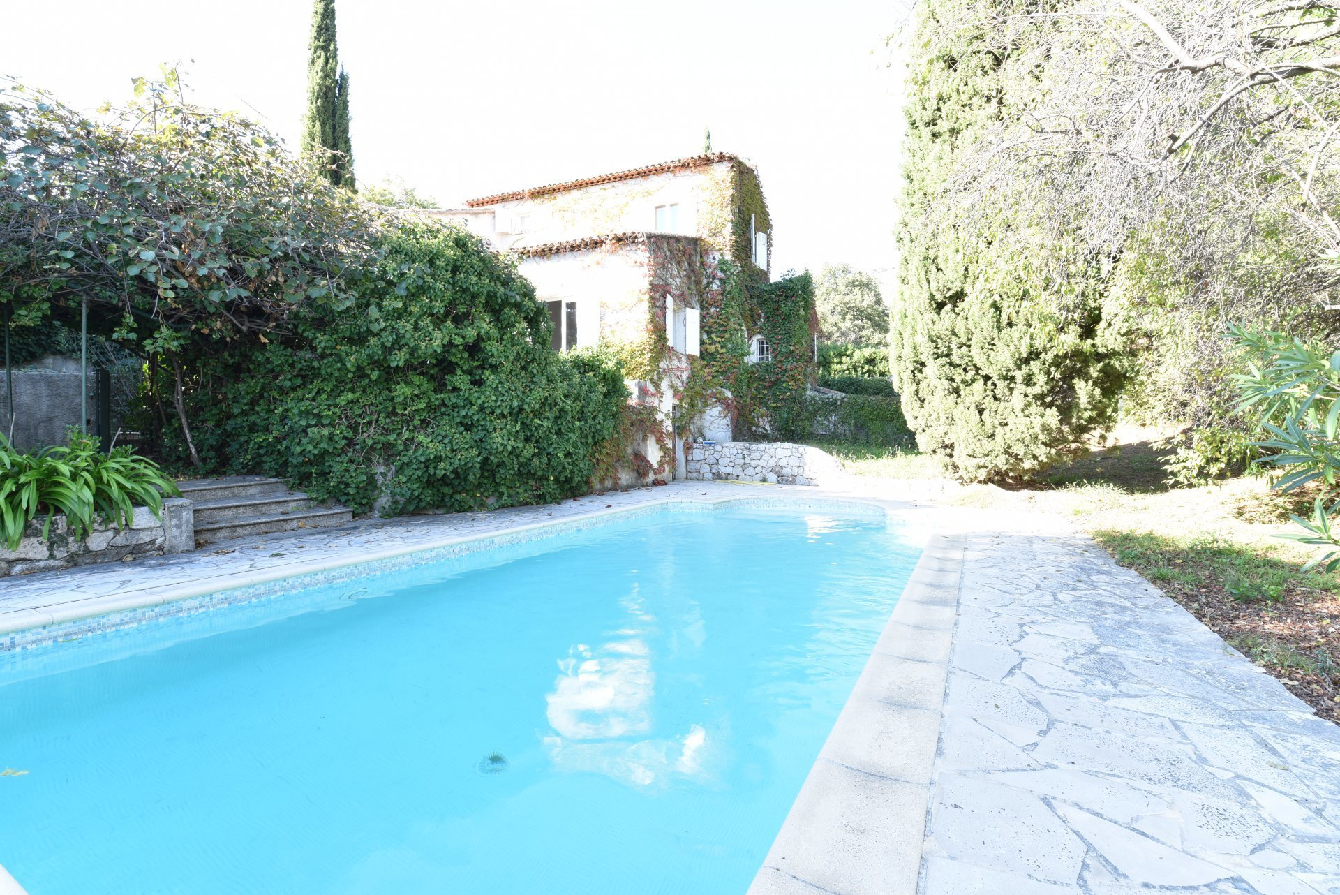Falicon Vente Villa Piscine destiné Piscine Falicon Nice