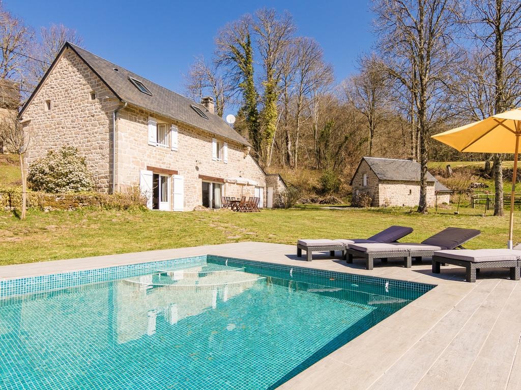 Fantastic Holiday Home In Veix Limousin With Private Pool ... serapportantà Piscine Egletons