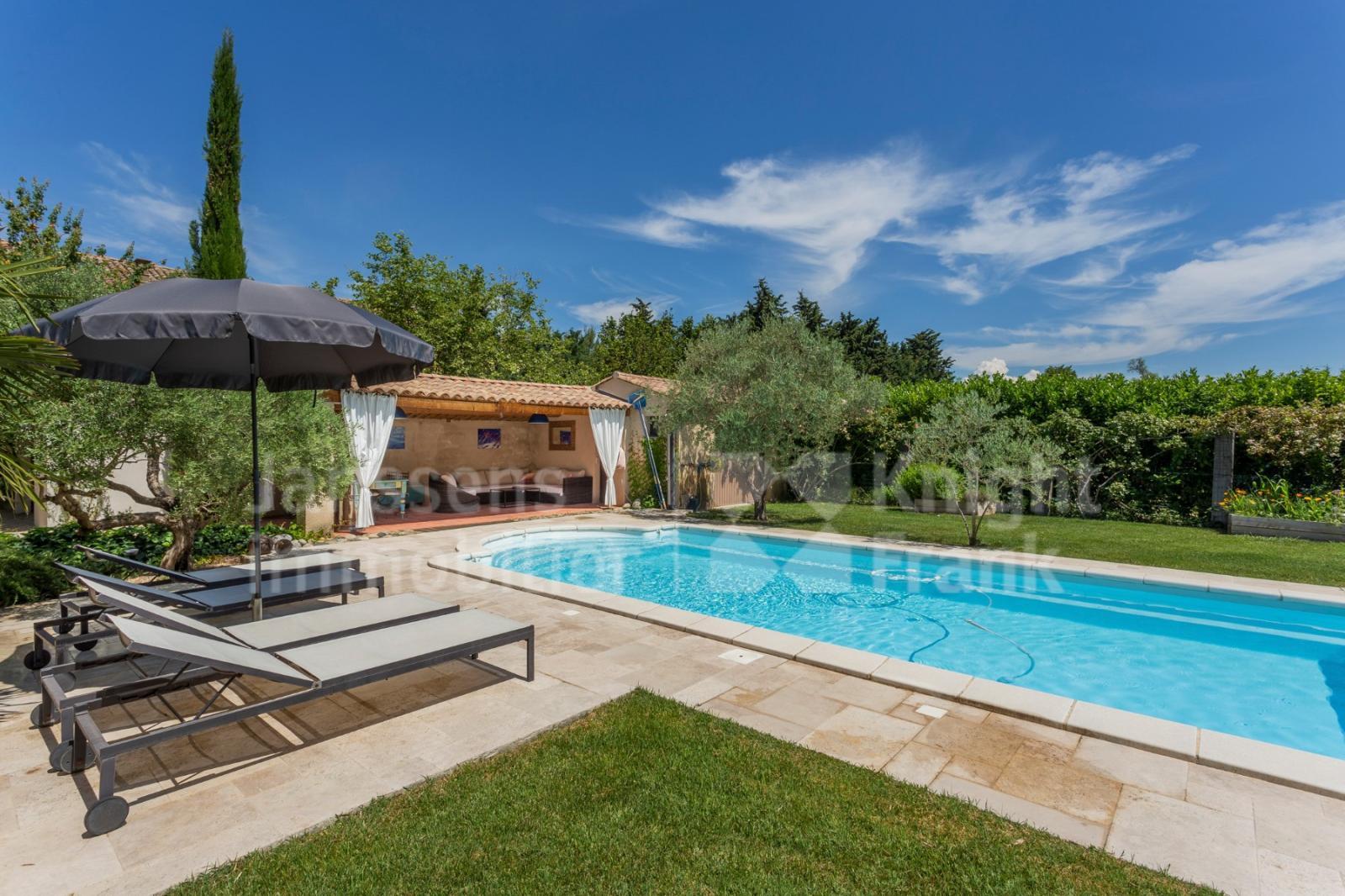 Farmhouse With Swimming Pool For Sale In The Luberon ... serapportantà Piscine 19Eme