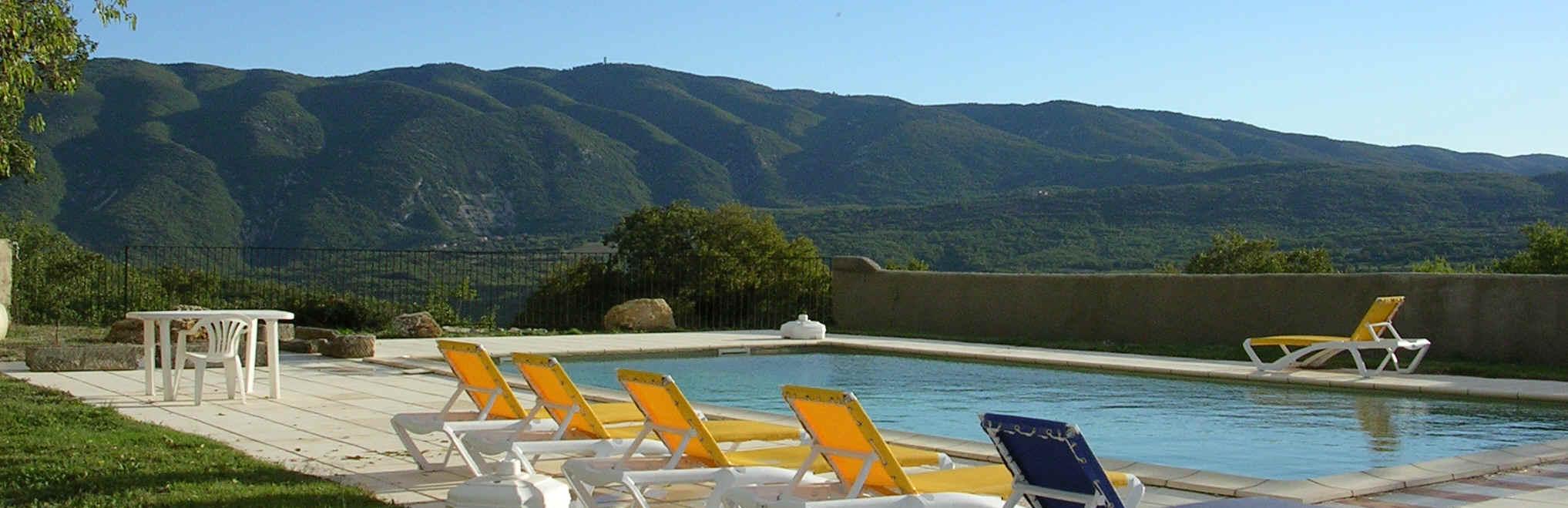 Ferme Équestre En Provence, Luberon : Location Gîtes ... à Camping A La Ferme Avec Piscine