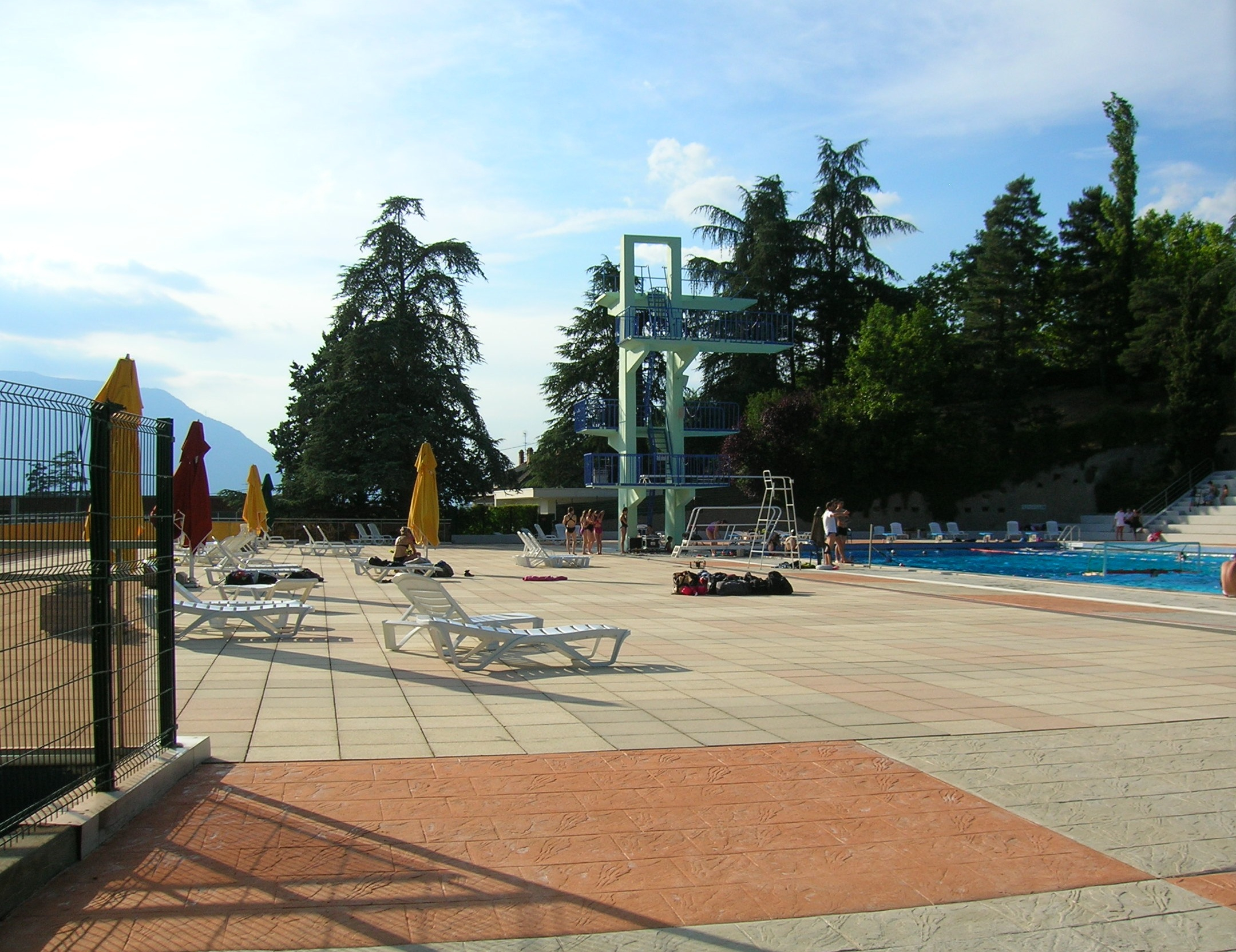 Fichier:piscine Eybens.jpg — Wikipédia serapportantà Piscine D Eybens