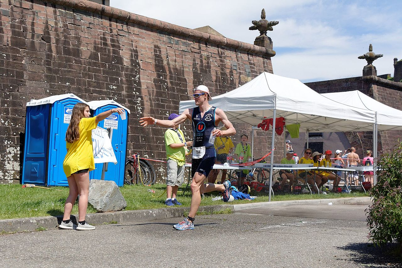 File:2017-05-28 14-30-28 Triathlon-De-Belfort.jpg ... tout Sportica Piscine