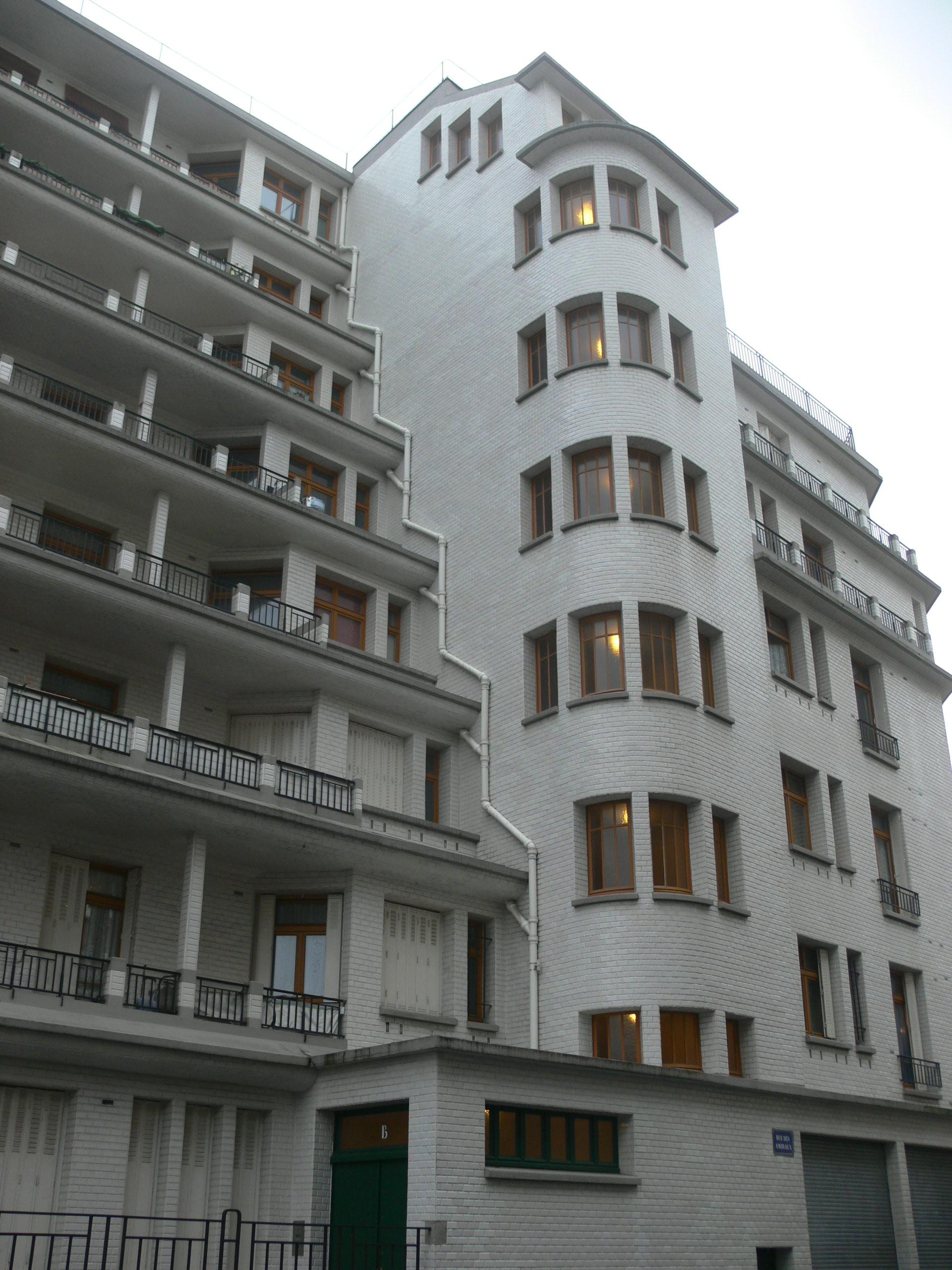 File:immeuble Sauvage - Piscine Des Amiraux - Rue Des ... dedans Piscine Des Amiraux