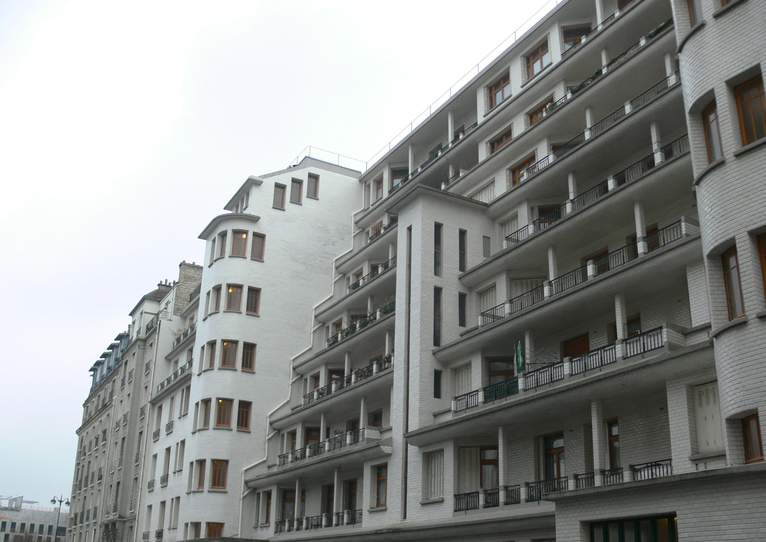File:immeuble Sauvage - Piscine Des Amiraux - Rue Des ... intérieur Piscine Des Amiraux