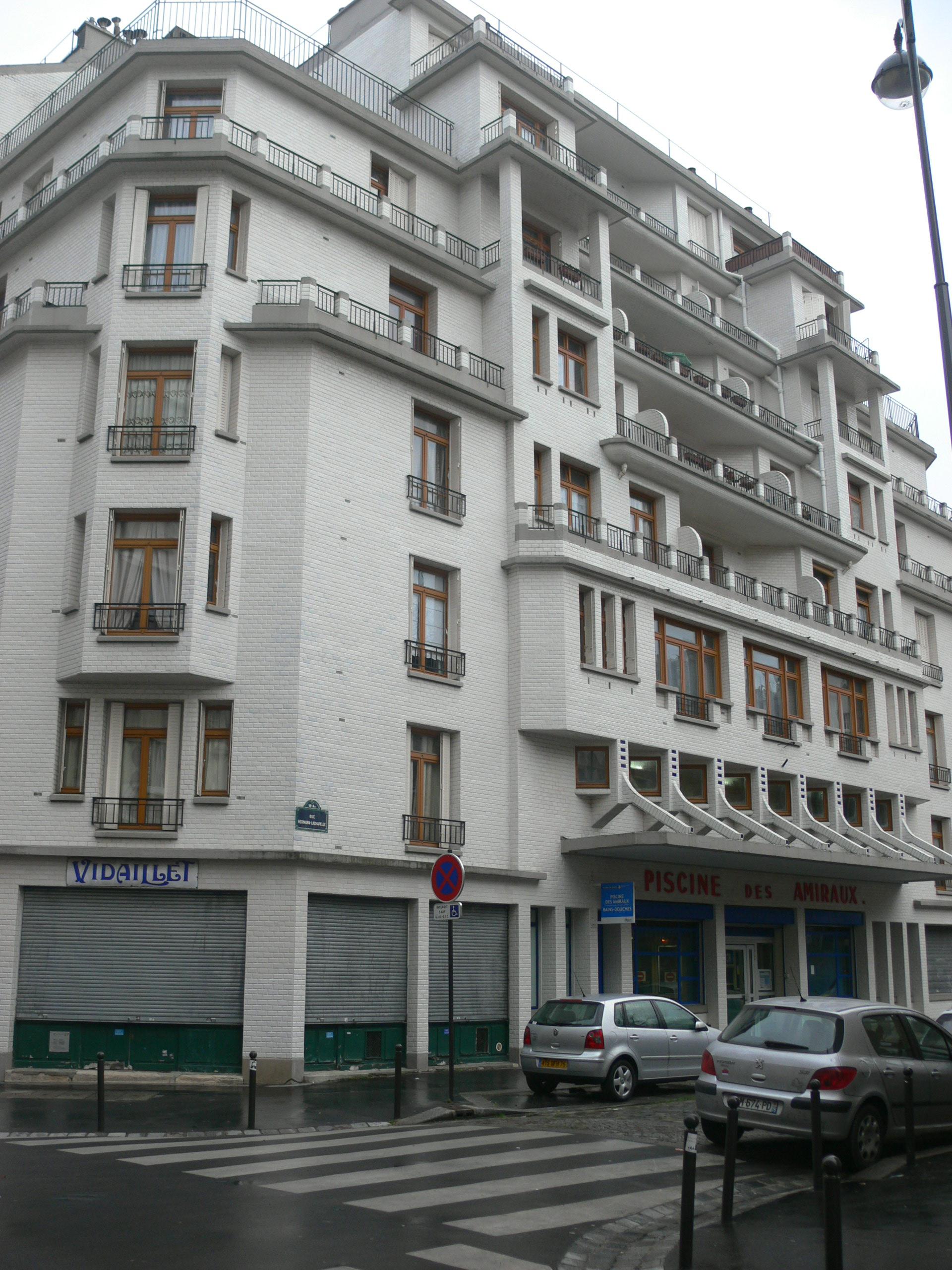 File:immeuble Sauvage - Piscine Des Amiraux - Swimming-Pool ... intérieur Piscine Des Amiraux